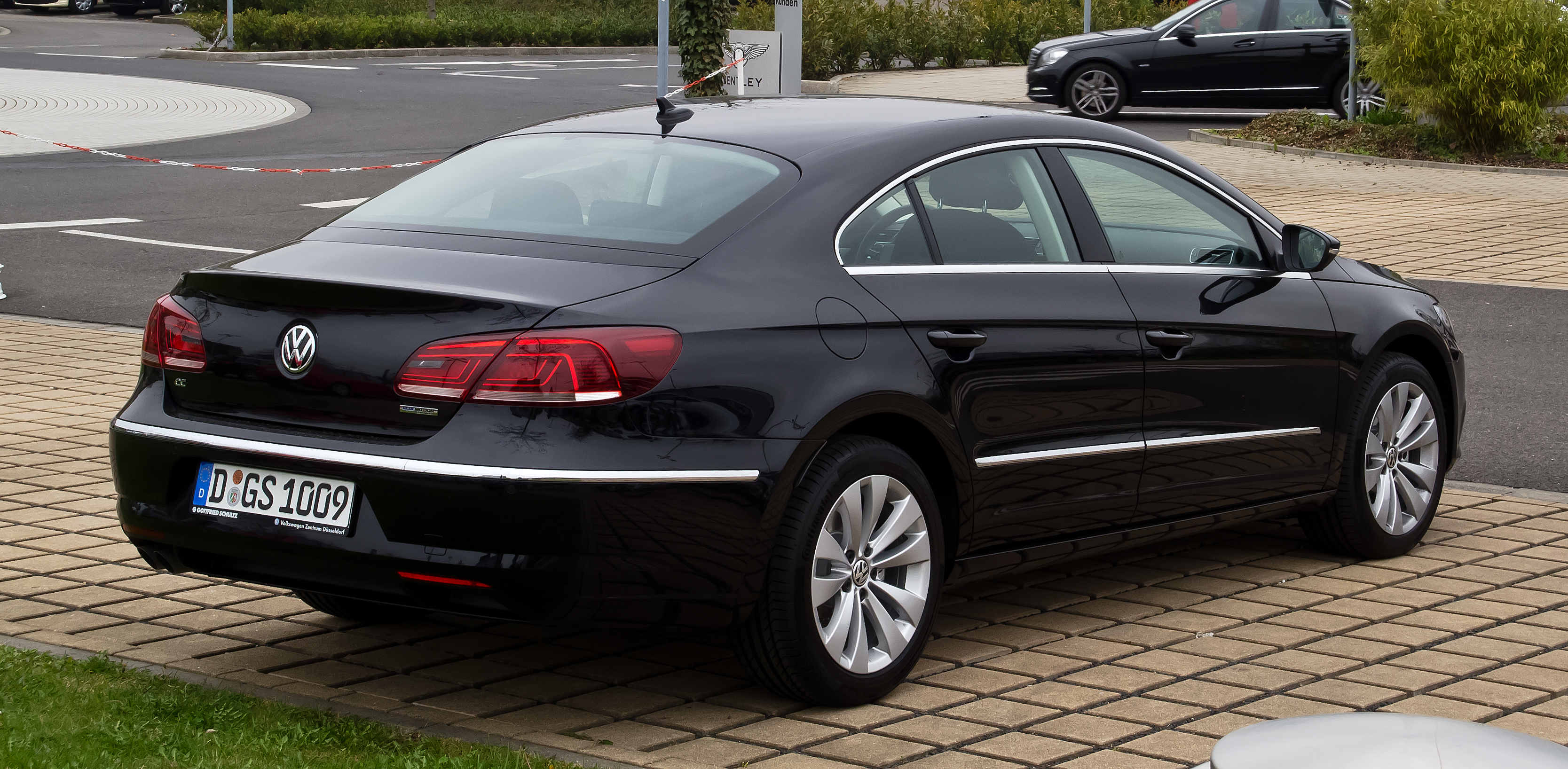 File VW Passat CC rear 20090608 as well Watch together with File VW Scirocco III 1 4 TSI DSG Team Deep Black further File VW Jetta VI 1 2 TSI  fortline Platinumgrey Heck in addition Chevrolet Omega Cd 3 8 V6 2002. on 2012 volkswagen cc navigation