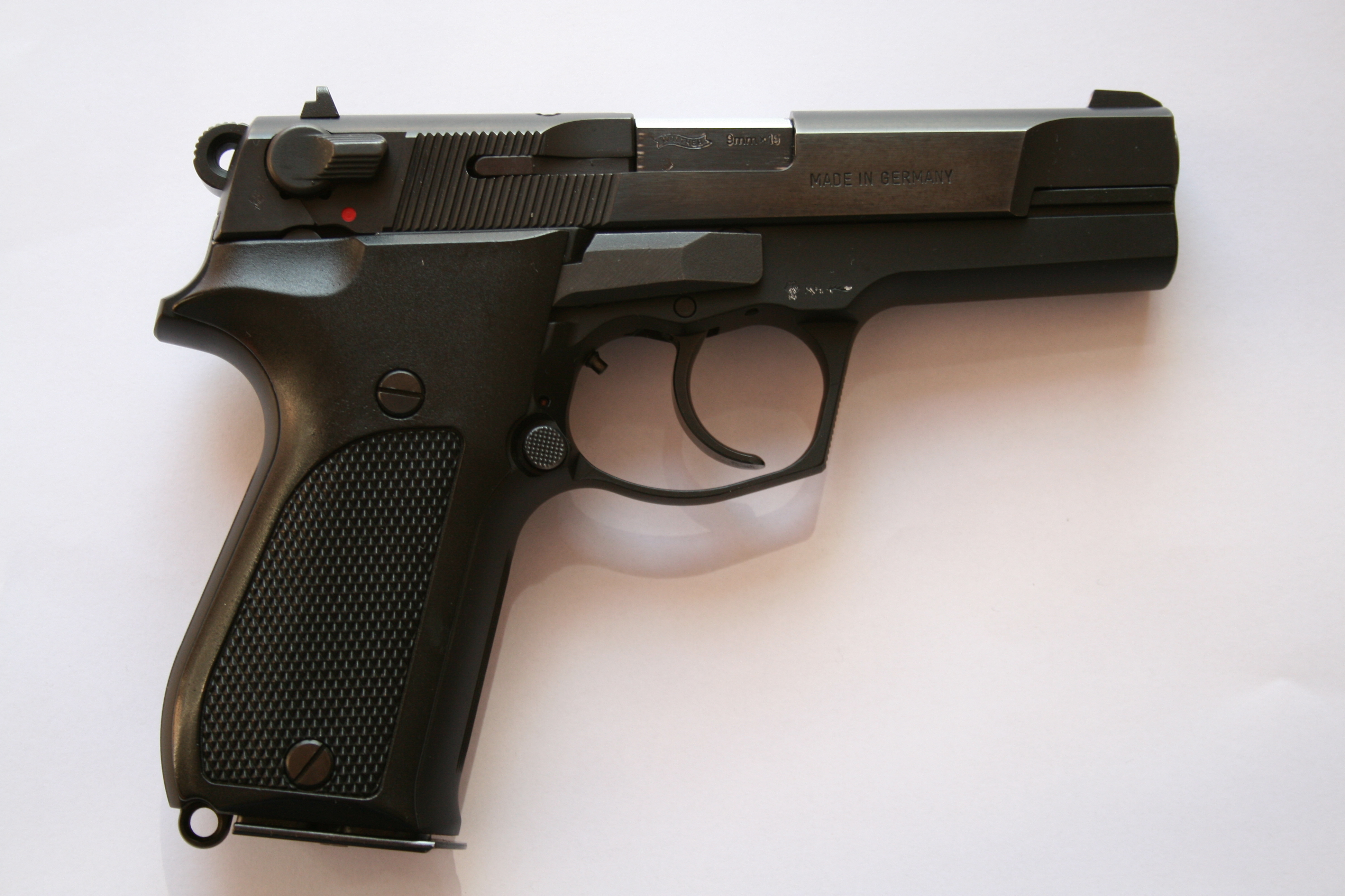 File:Walther P88 compact JPG - Wikimedia Commons