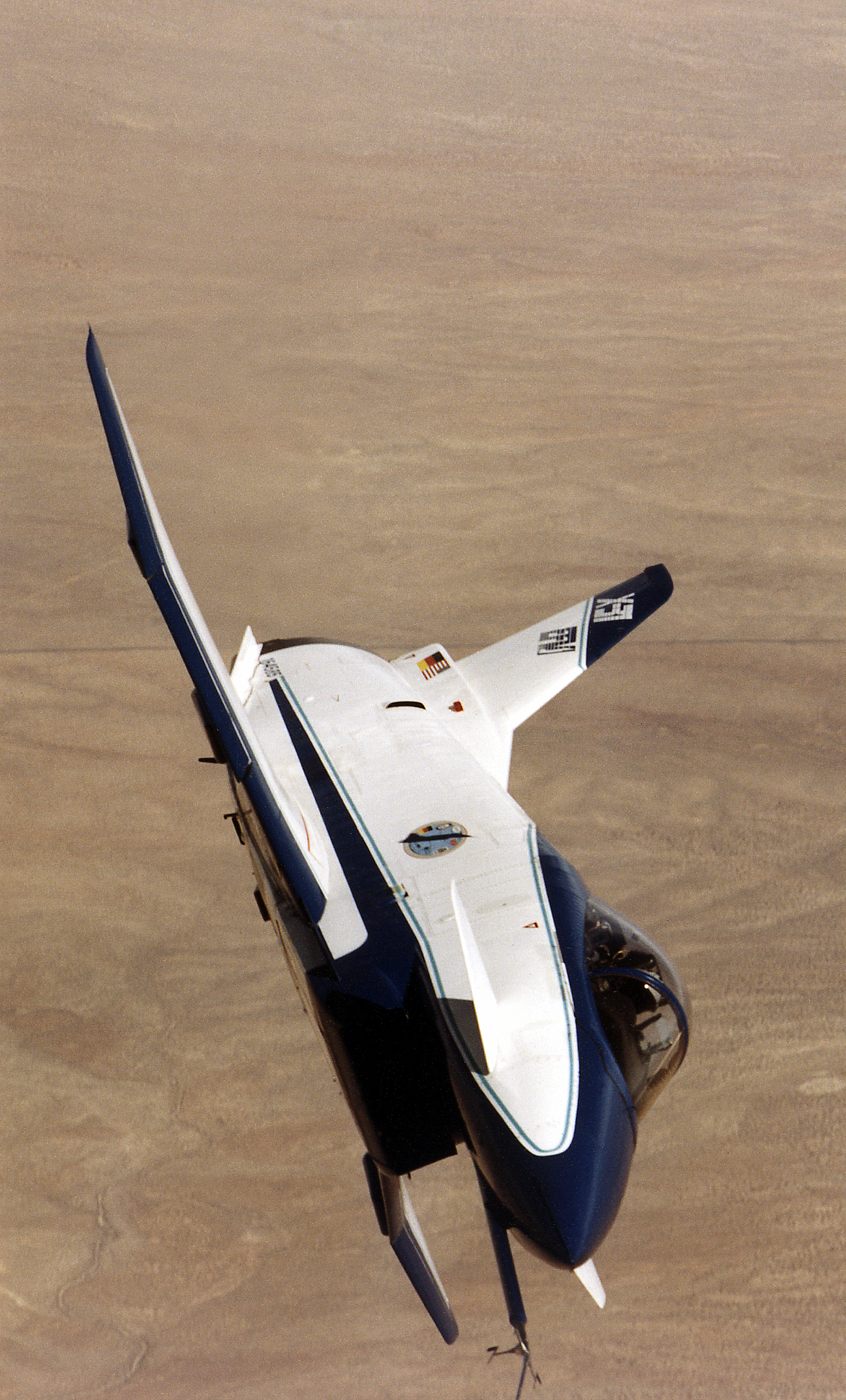 File:X-31 in Banked Flight.jpg - Wikimedia Commons