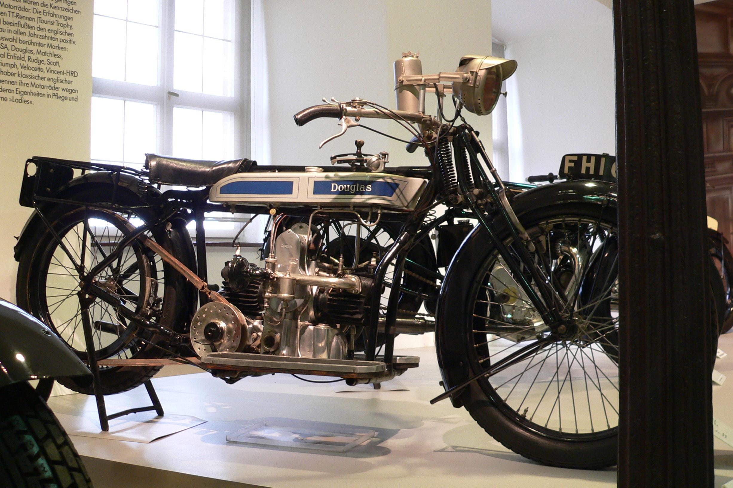 Douglas Motors - Wikiwand