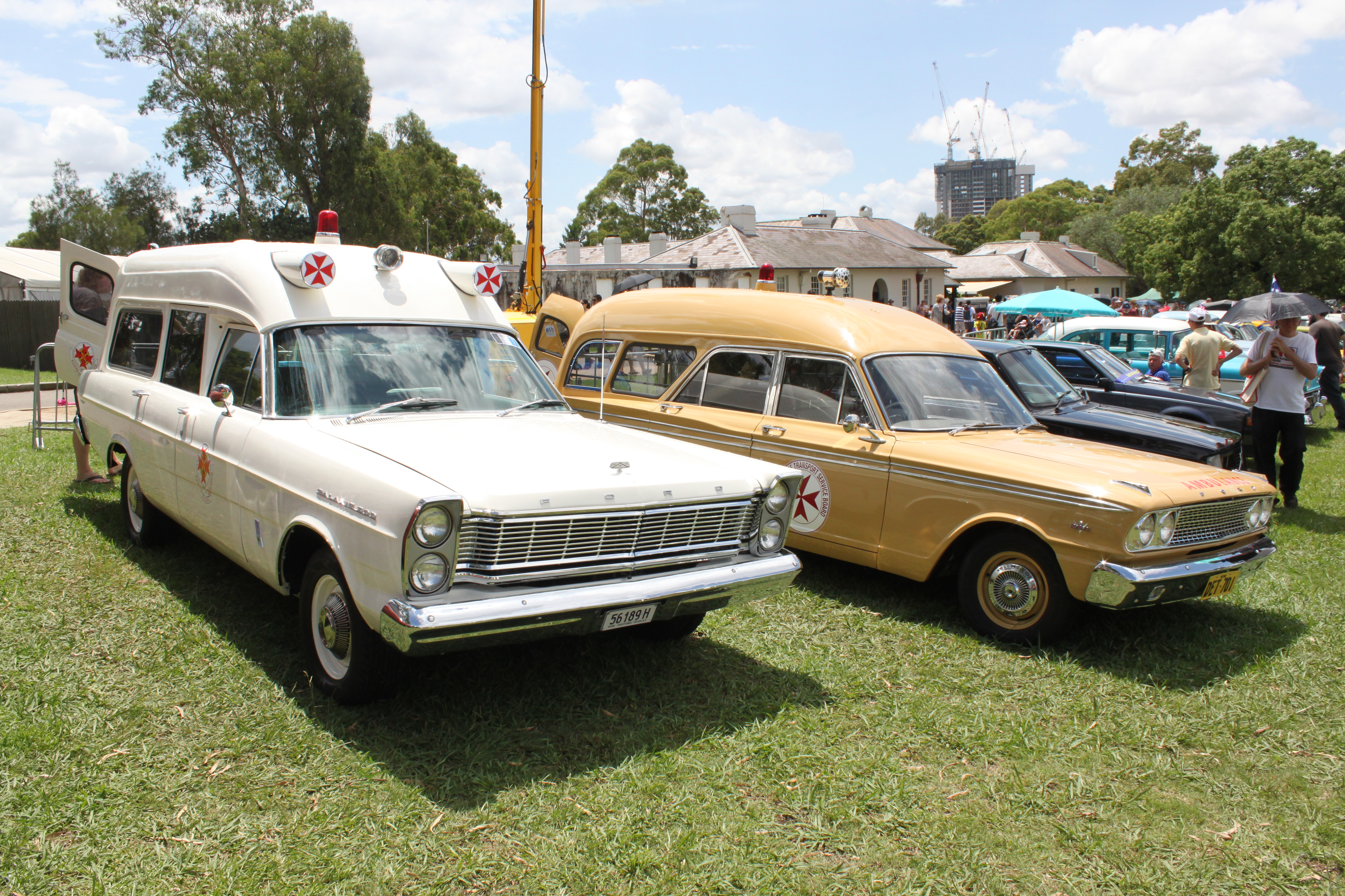 File:1965 Ford Galaxie Ambulance & 1963 Ford Fairlane FC