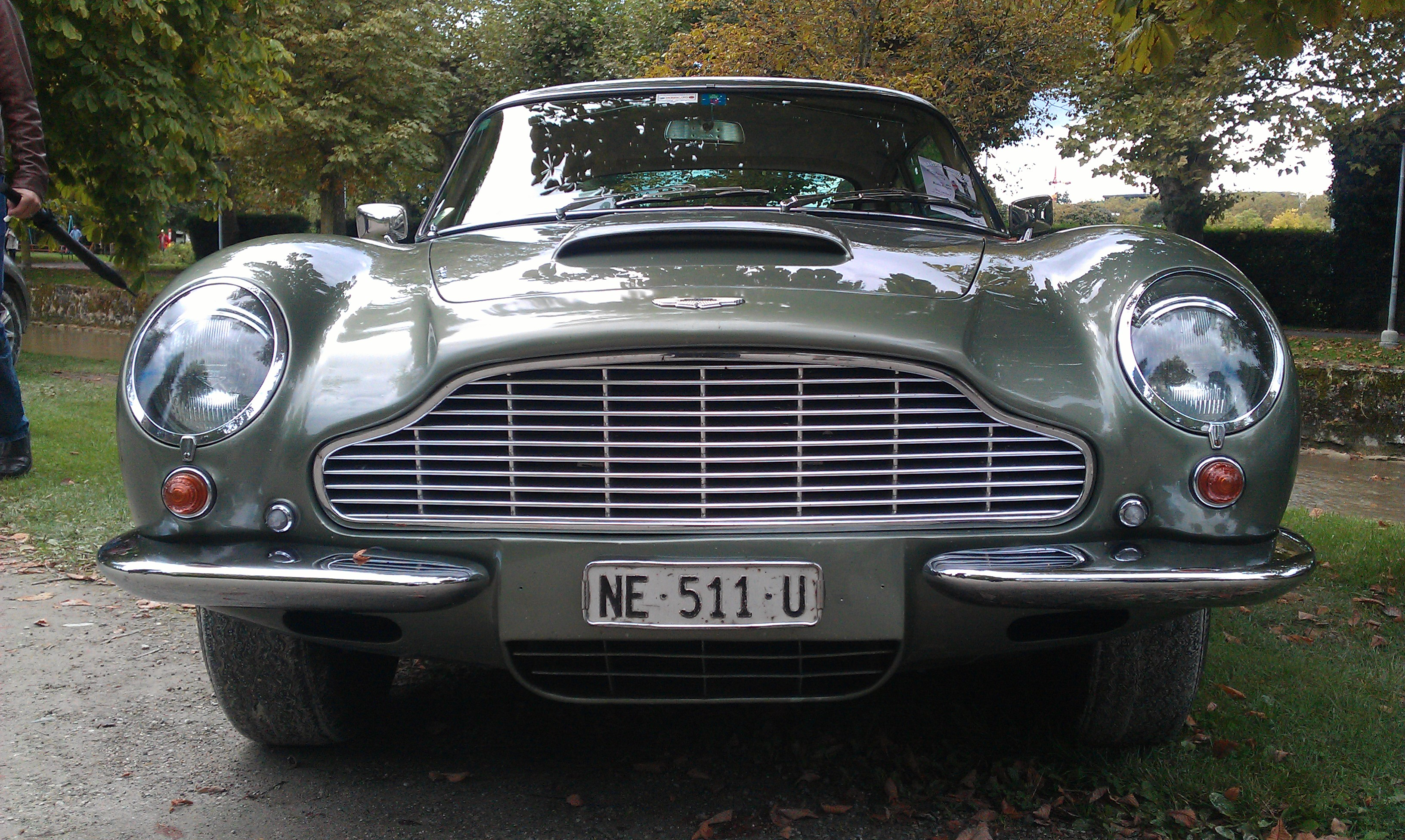 file:1966 aston martin db6 vantage in morges 2013 - front