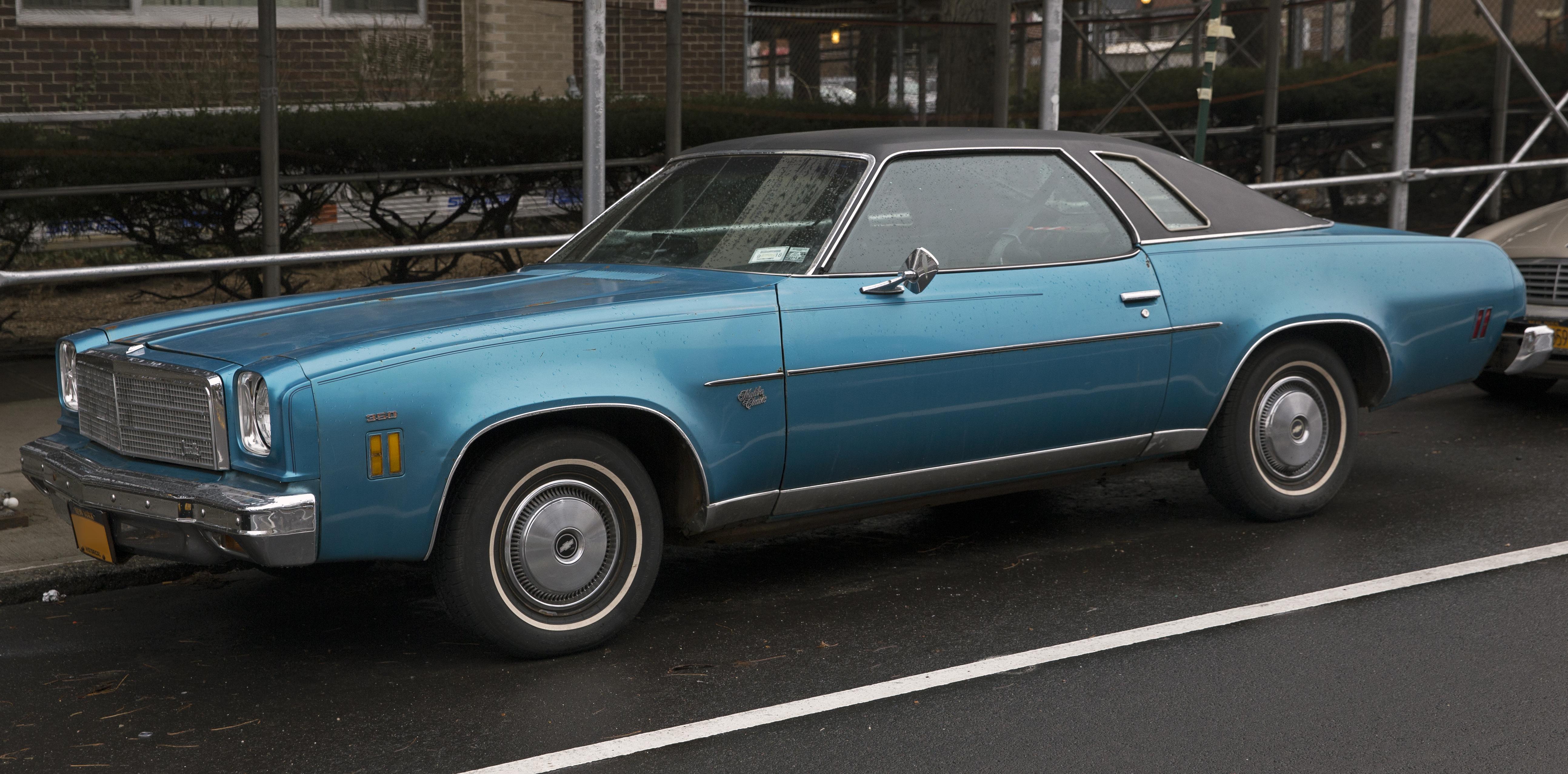 '73-'77 Malibu Classic Wheel Well Opening Moldings 1974_Chevrolet_Chevelle_Malibu_Classic_two-door_hardtop%2C_front_left_side