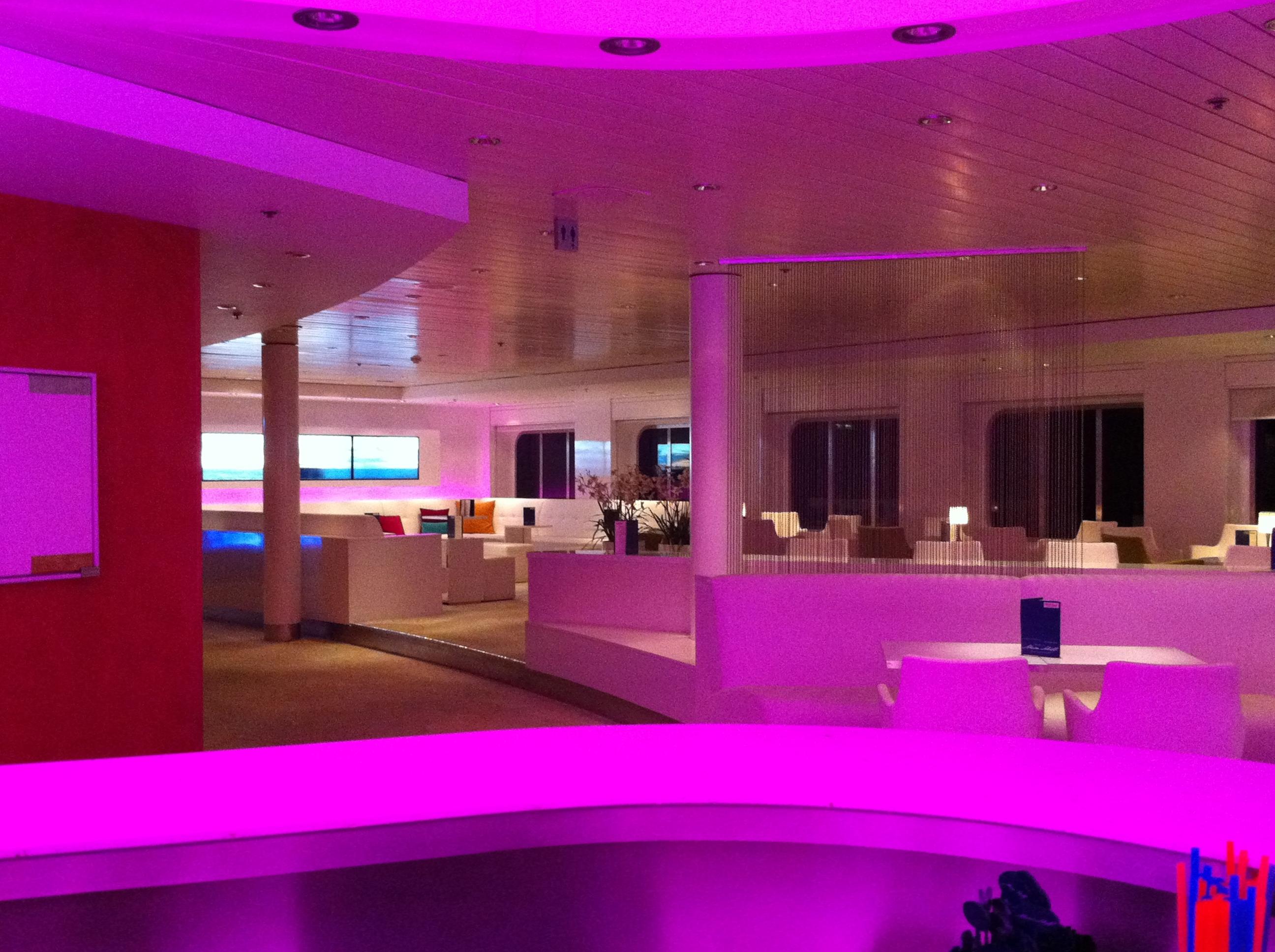 2010-12-15_MeinSchiff1_TUI-Bar_%286%29.JPG