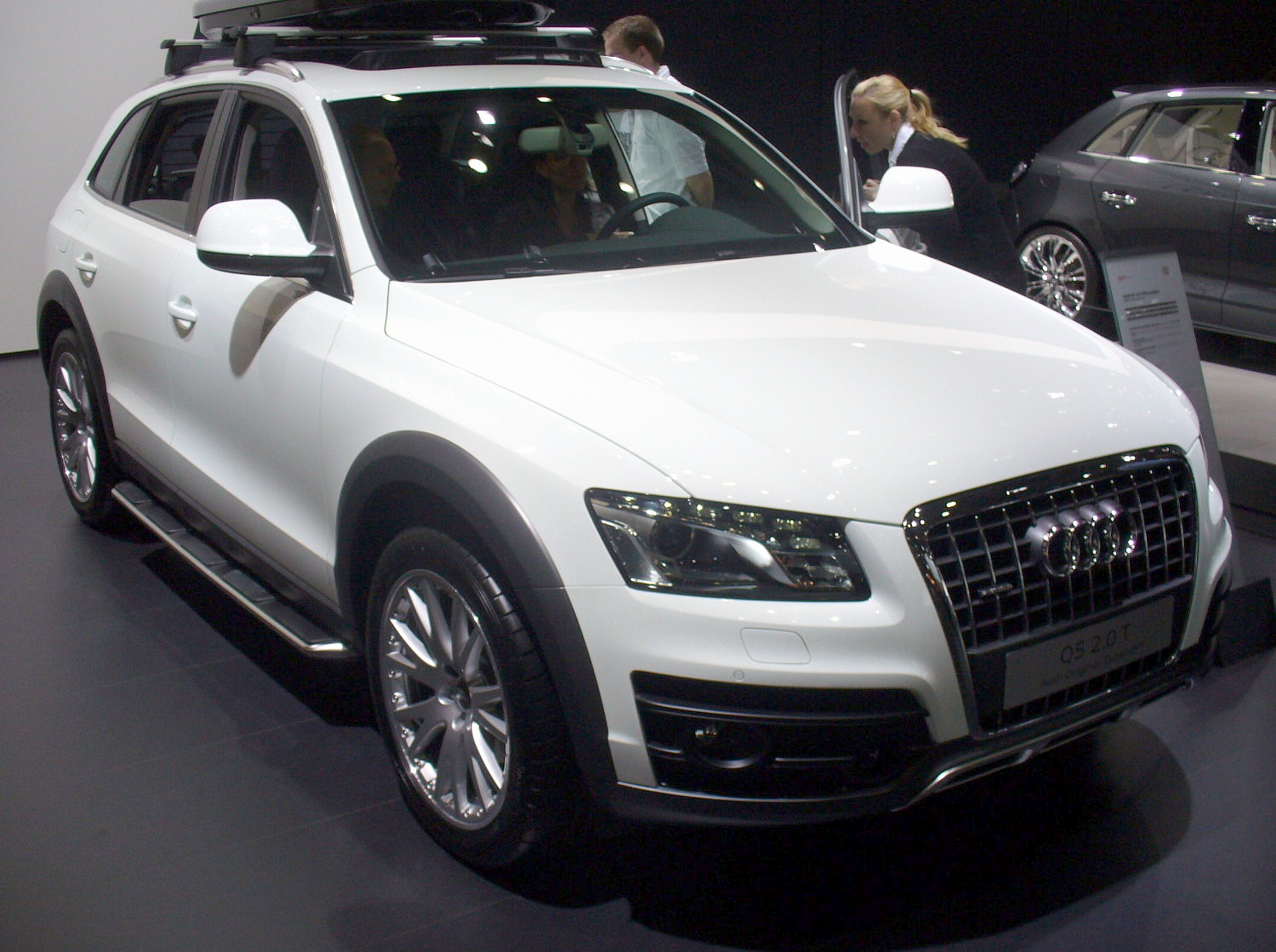 file audi q5 offroad style jpg wikimedia commons. Black Bedroom Furniture Sets. Home Design Ideas