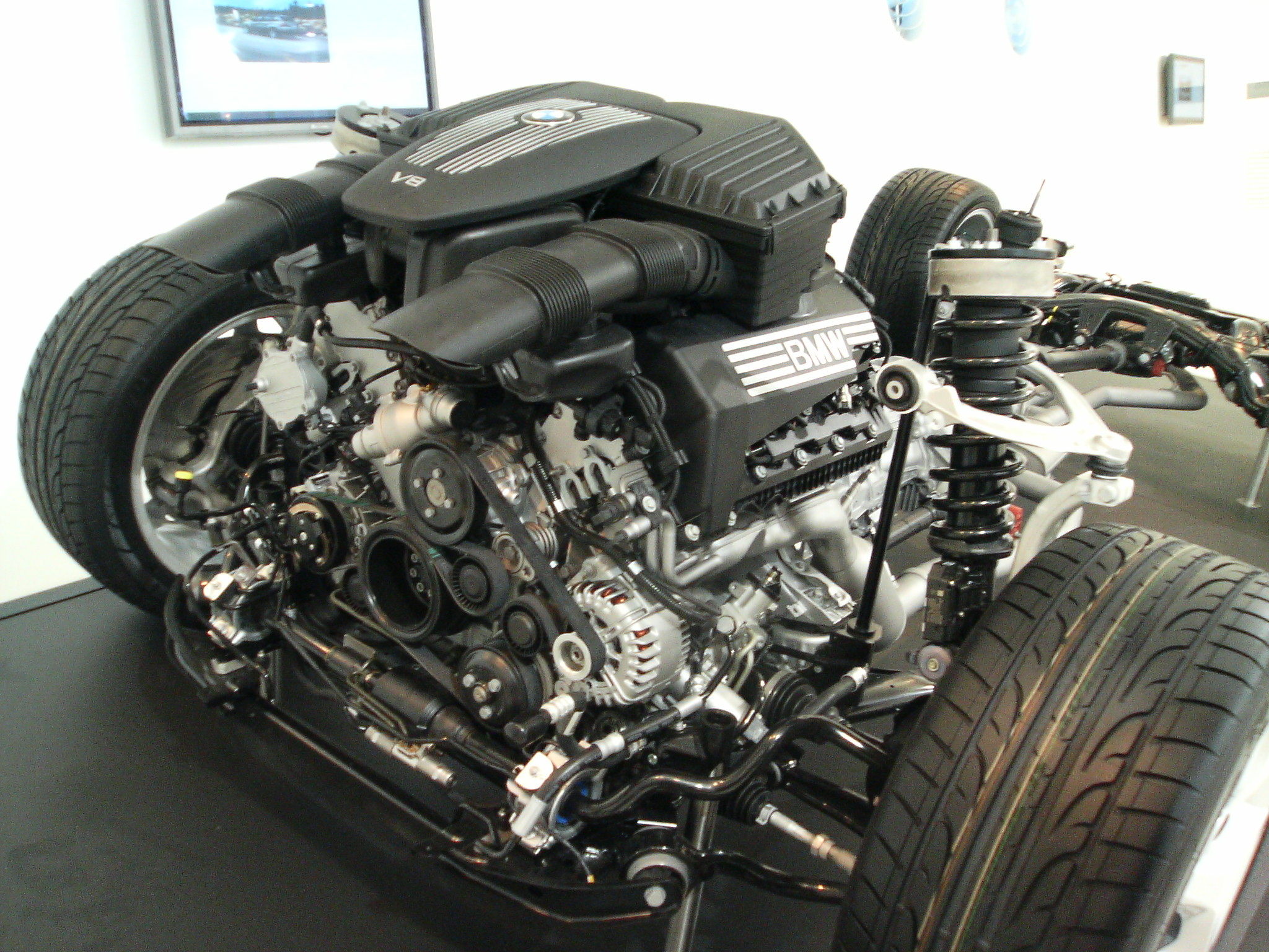 File Bmw V8 Engine X5 Jpg Wikimedia Commons