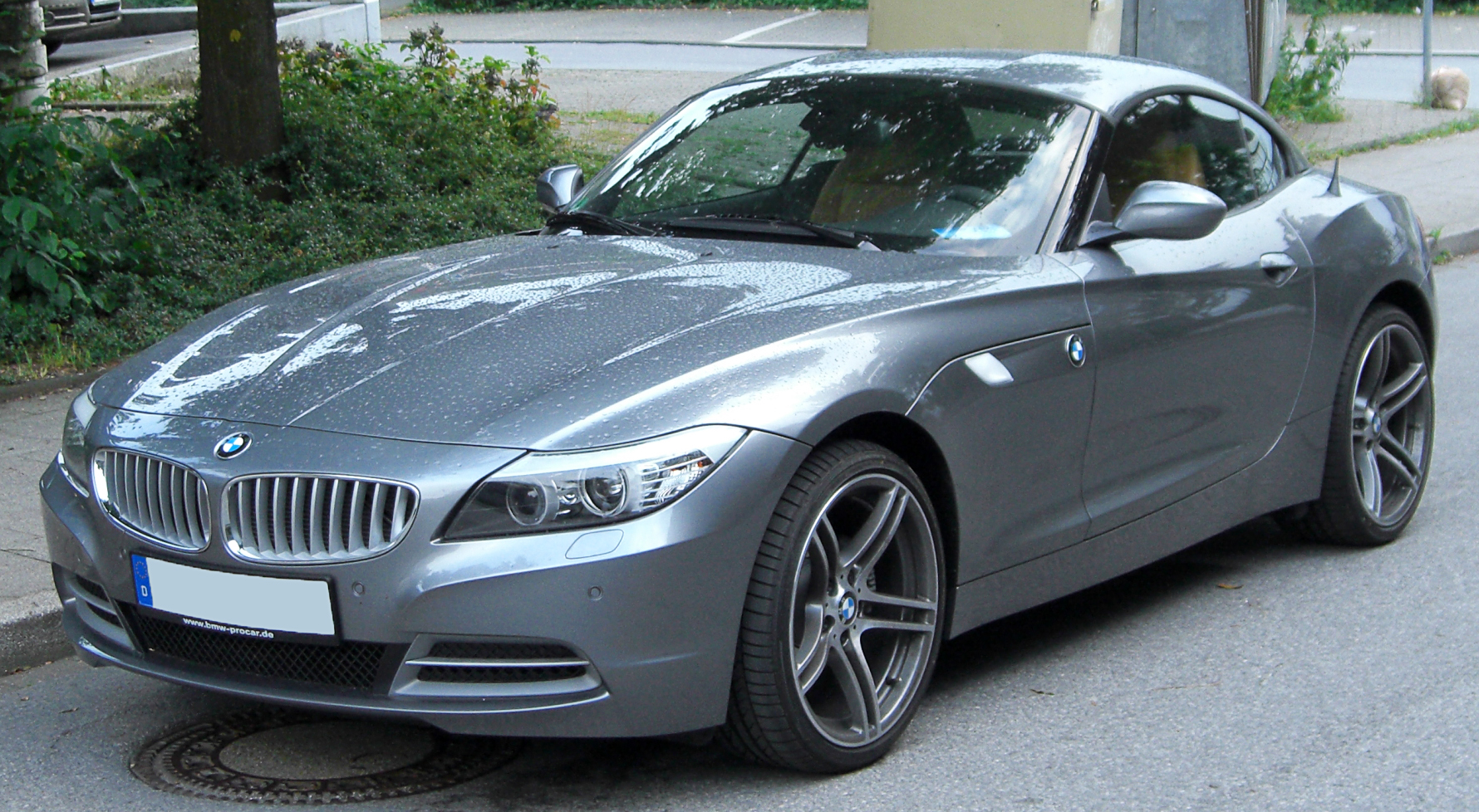 File:BMW Z4 (E89) front 20100705.jpg - Wikimedia Commons