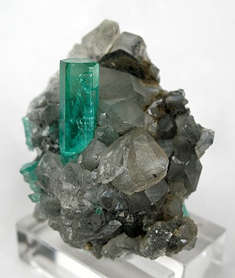 File:Beryl-Calcite-d06-228b.jpg