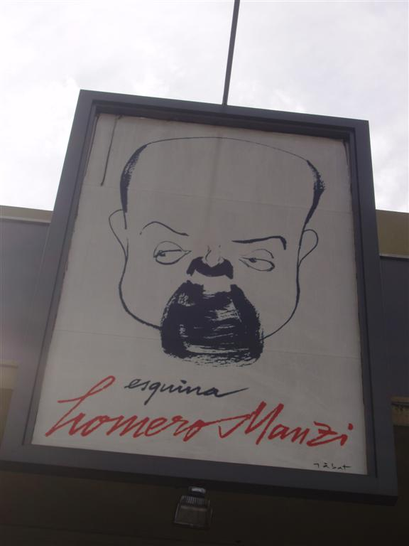 Dibujo de Manzi en la esquina que lleva su nombre, en Buenos Aires.