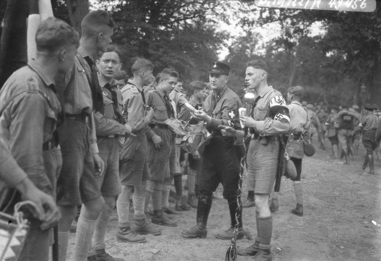 the hitler youth hitler jungen and the bund In july 1926, it was renamed hitler-jugend, bund deutscher arbeiterjugend (hitler youth, league of german worker youth) and, for the first time, officially became an integral part of the sturmabteilung.