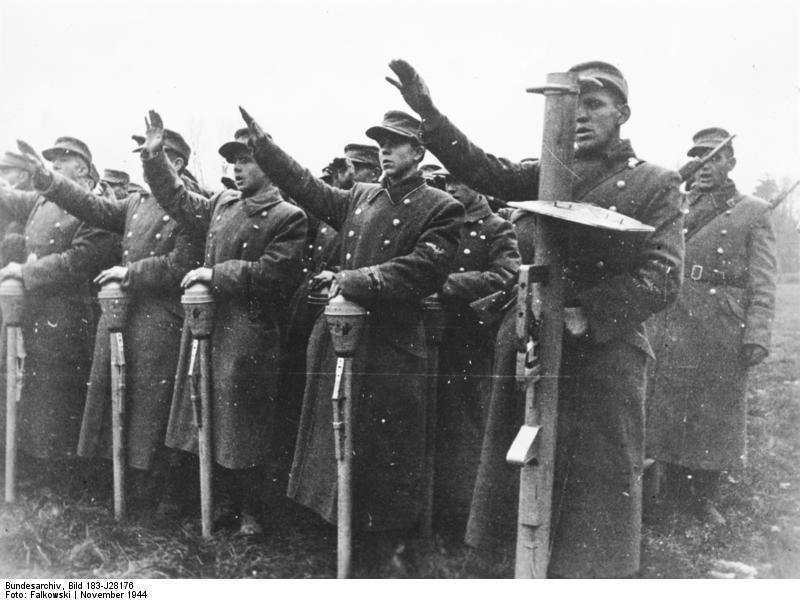 Bundesarchiv_Bild_183-J28176,_Ostpreu%C3