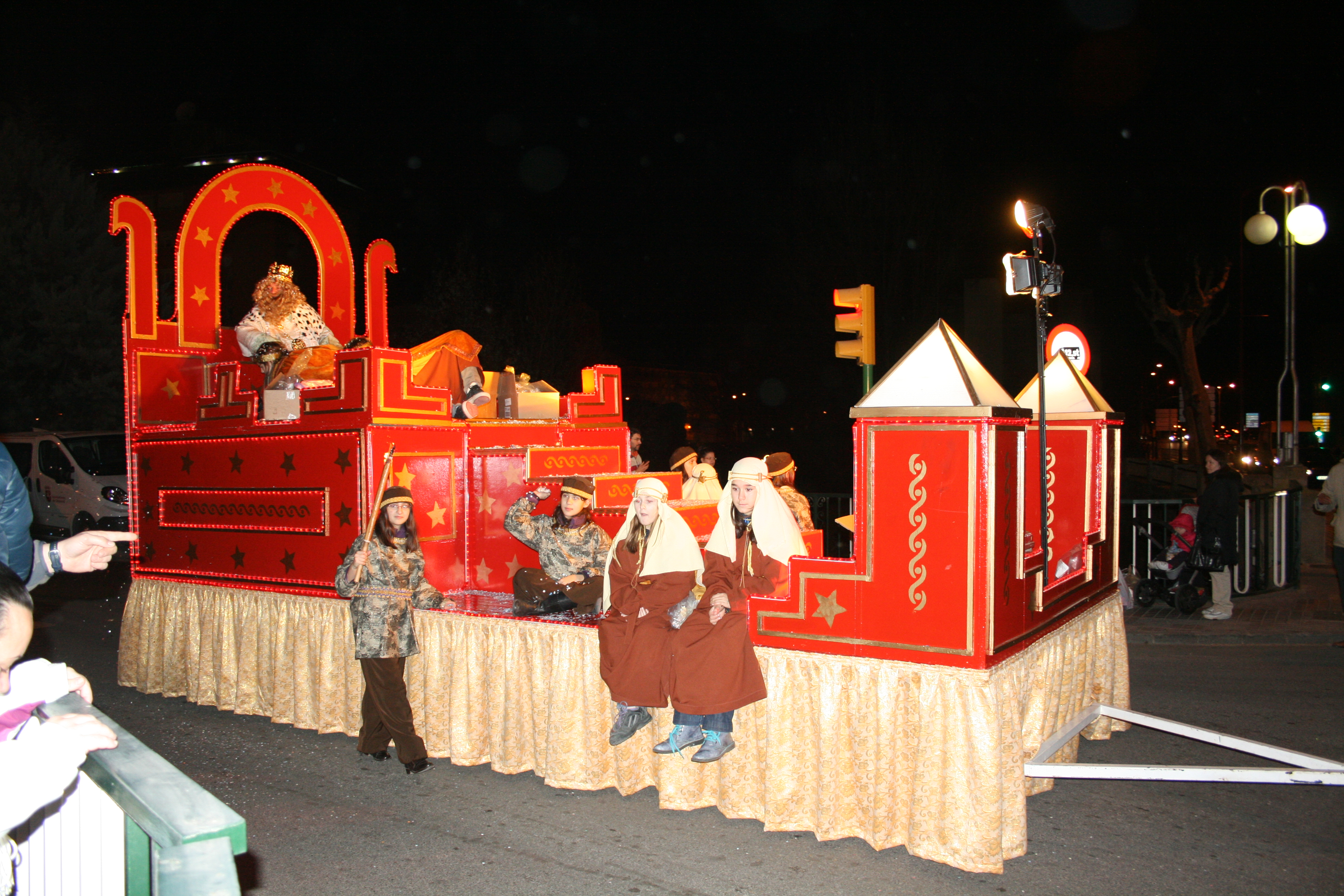 Carrozas De Reyes Magos Fotos.Cabalgata De Reyes Magos Wikiwand