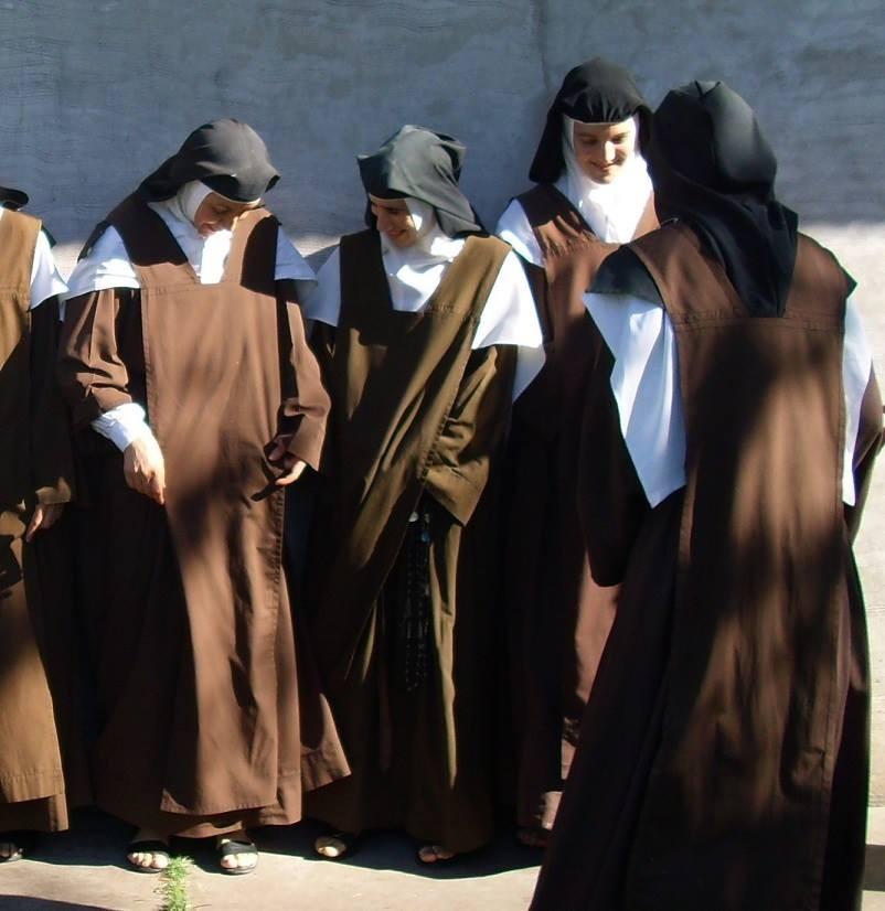 Carmelitas_de_la_comunidad_de_Nogoy%C3%A