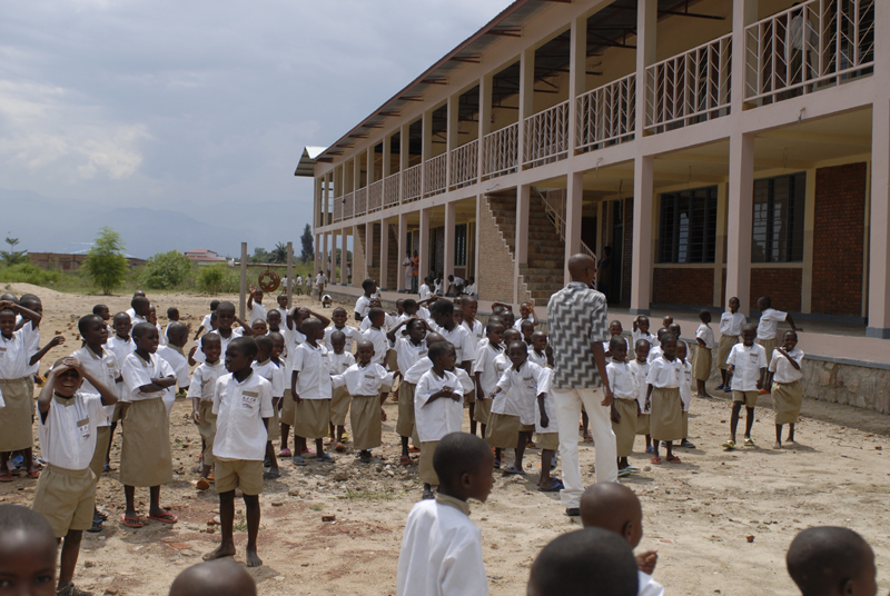 File:Carolus Magnus Schule-Burundi.jpg