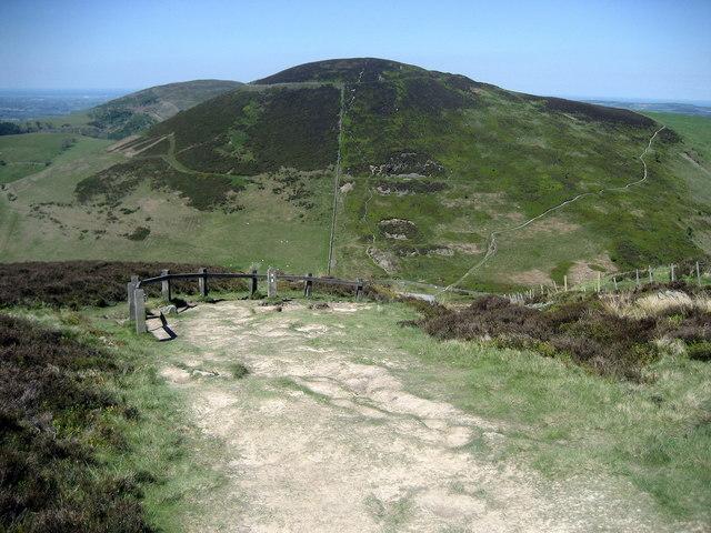 Descending off Moel Llys-y-coed - geograph.org.uk - 1328567