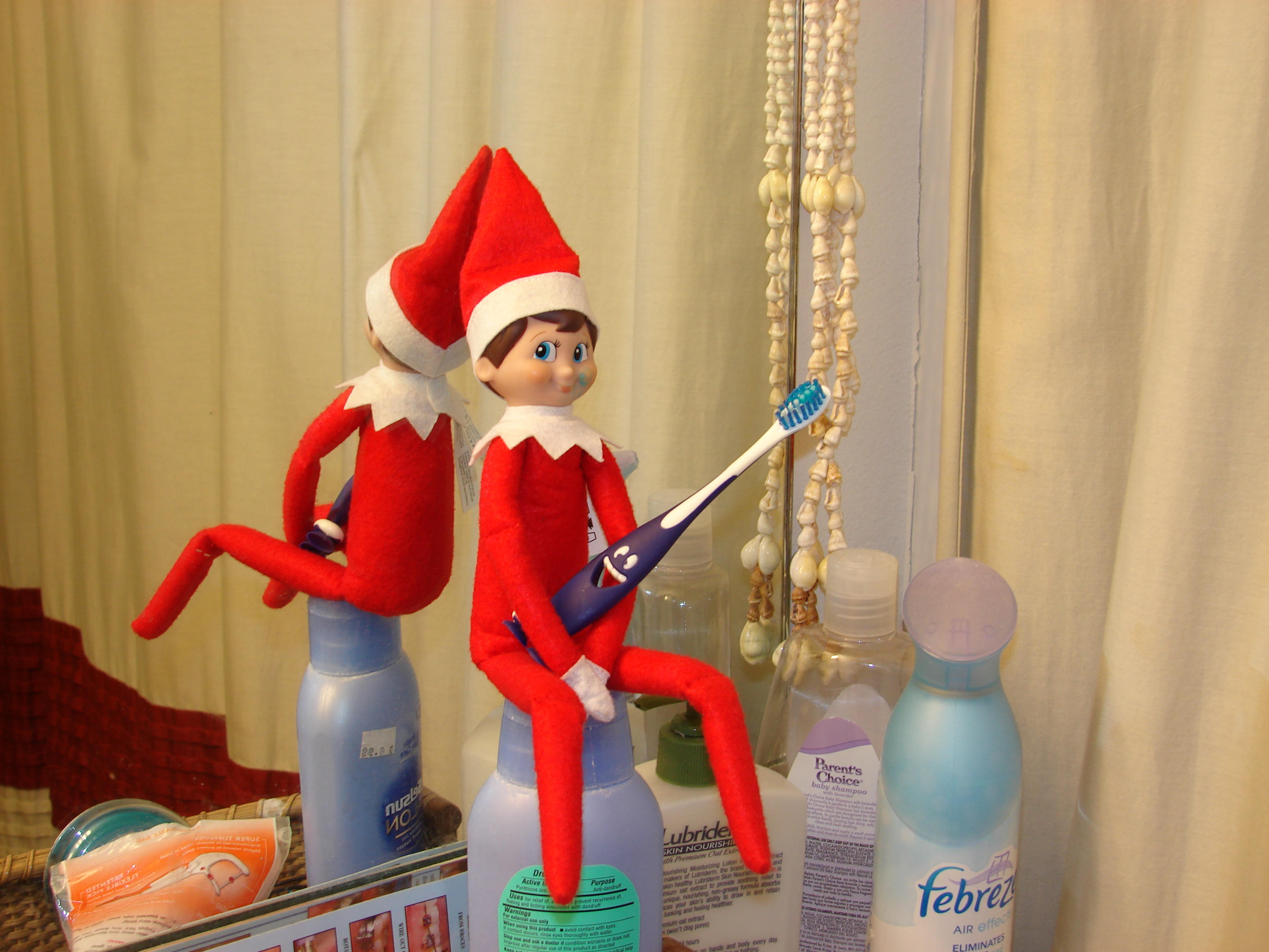 File Elf On The Shelf Poses 02 Jpg Wikimedia Commons