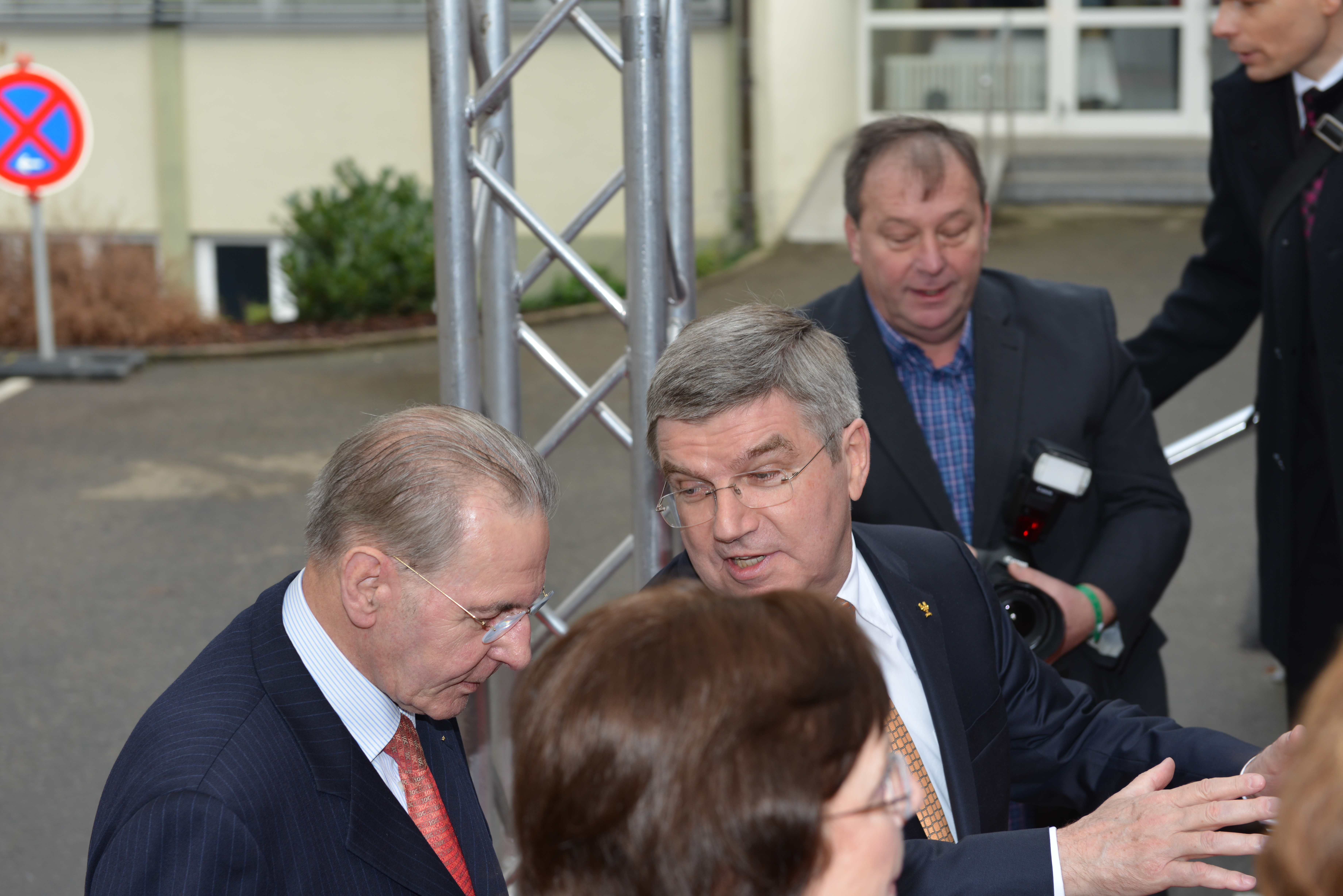 File:Empfang IOC Präsident Thomas Bach mit Jacques Rogge (8 von 9 ...