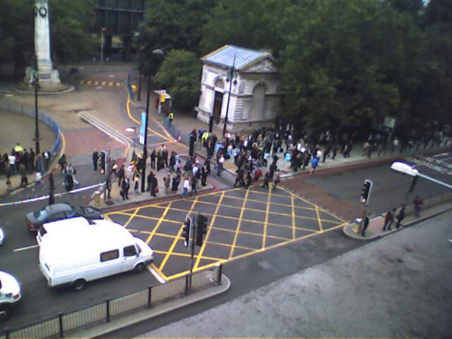 Euston cordoned off 070705.jpg