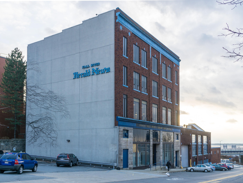 File:Fall River Herald building Massachusetts side view.jpg
