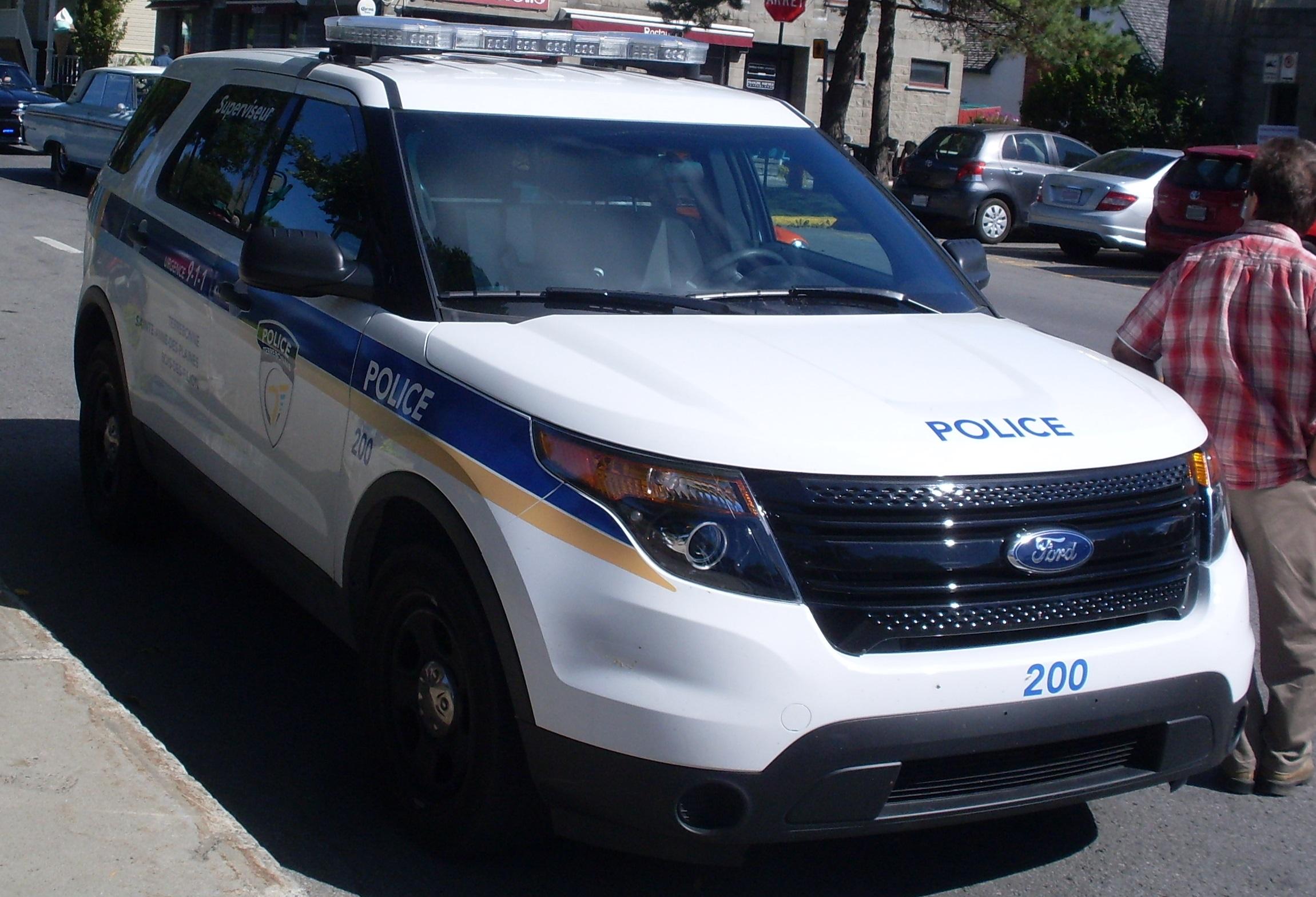 File Ford Explorer Terrebonne Police Jpg Wikimedia Commons