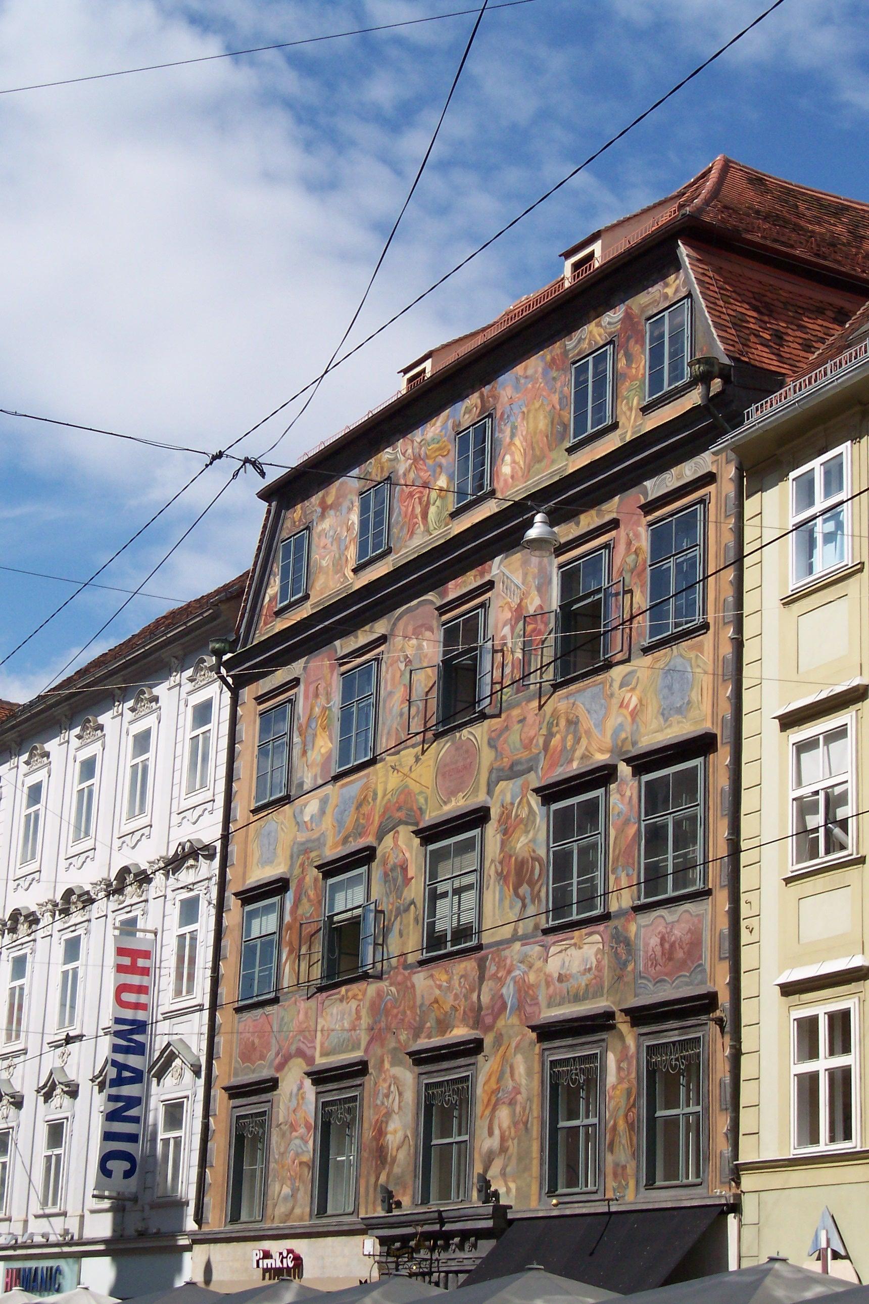 "Herzogshof, sogenanntes ""Gemaltes Haus"""