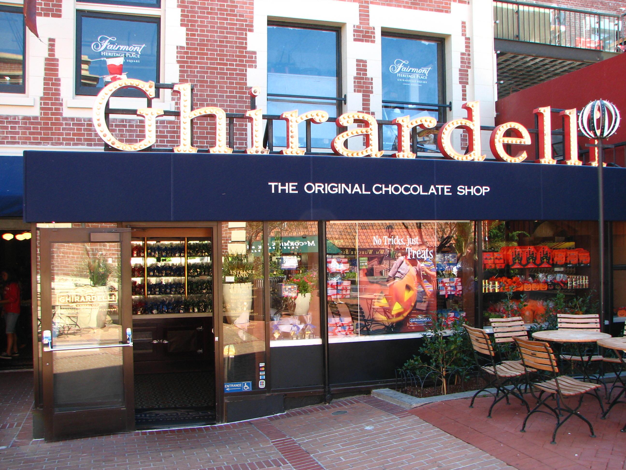 File:Ghirardelli Chocolate Shop.jpg - Wikimedia Commons