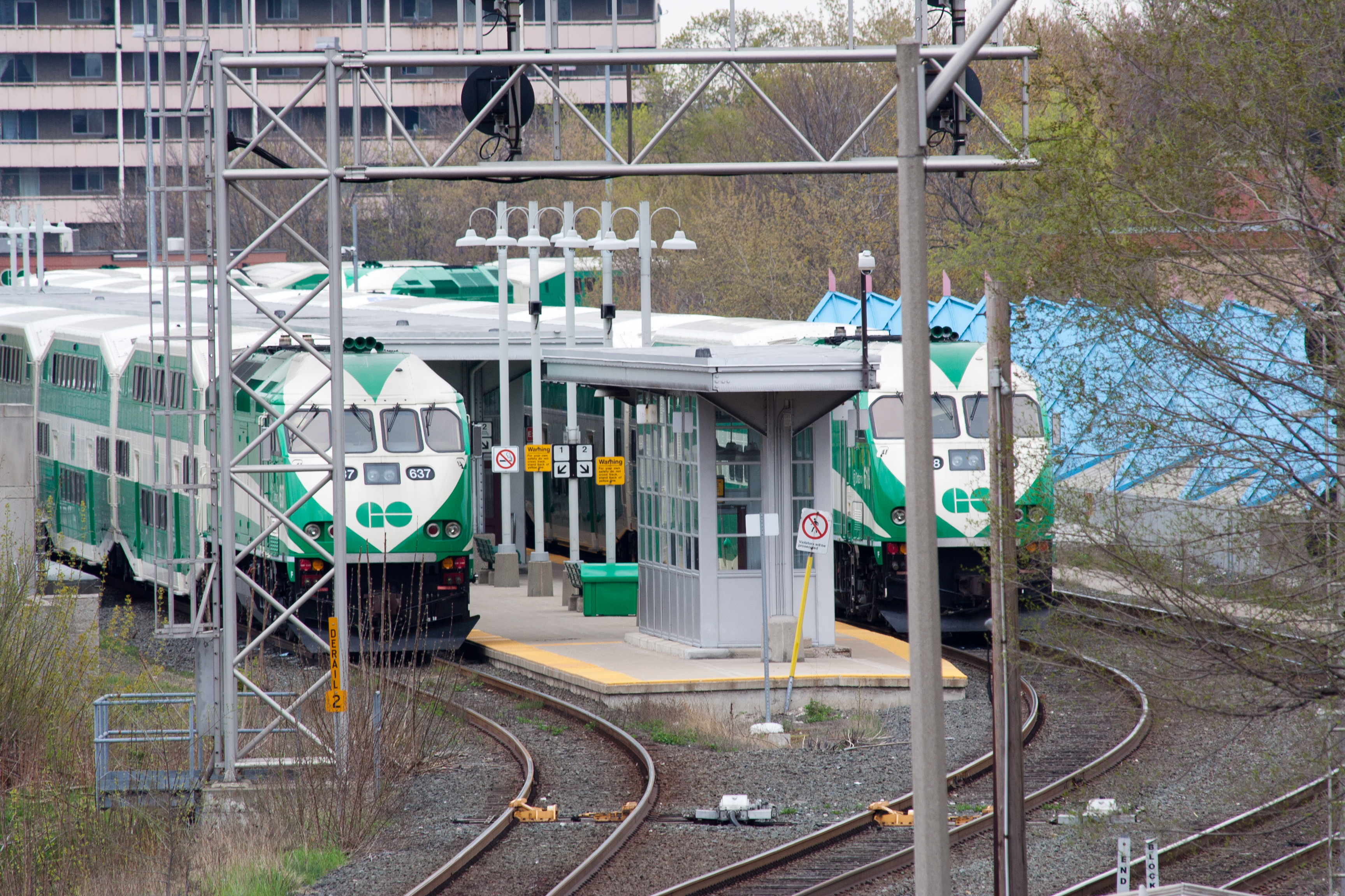 File:Hamilton GO Centre layover trains.jpg - Wikimedia Commons