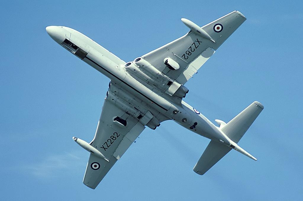 Hawker_Siddeley_Nimrod_MR1_(801),_UK_-_A
