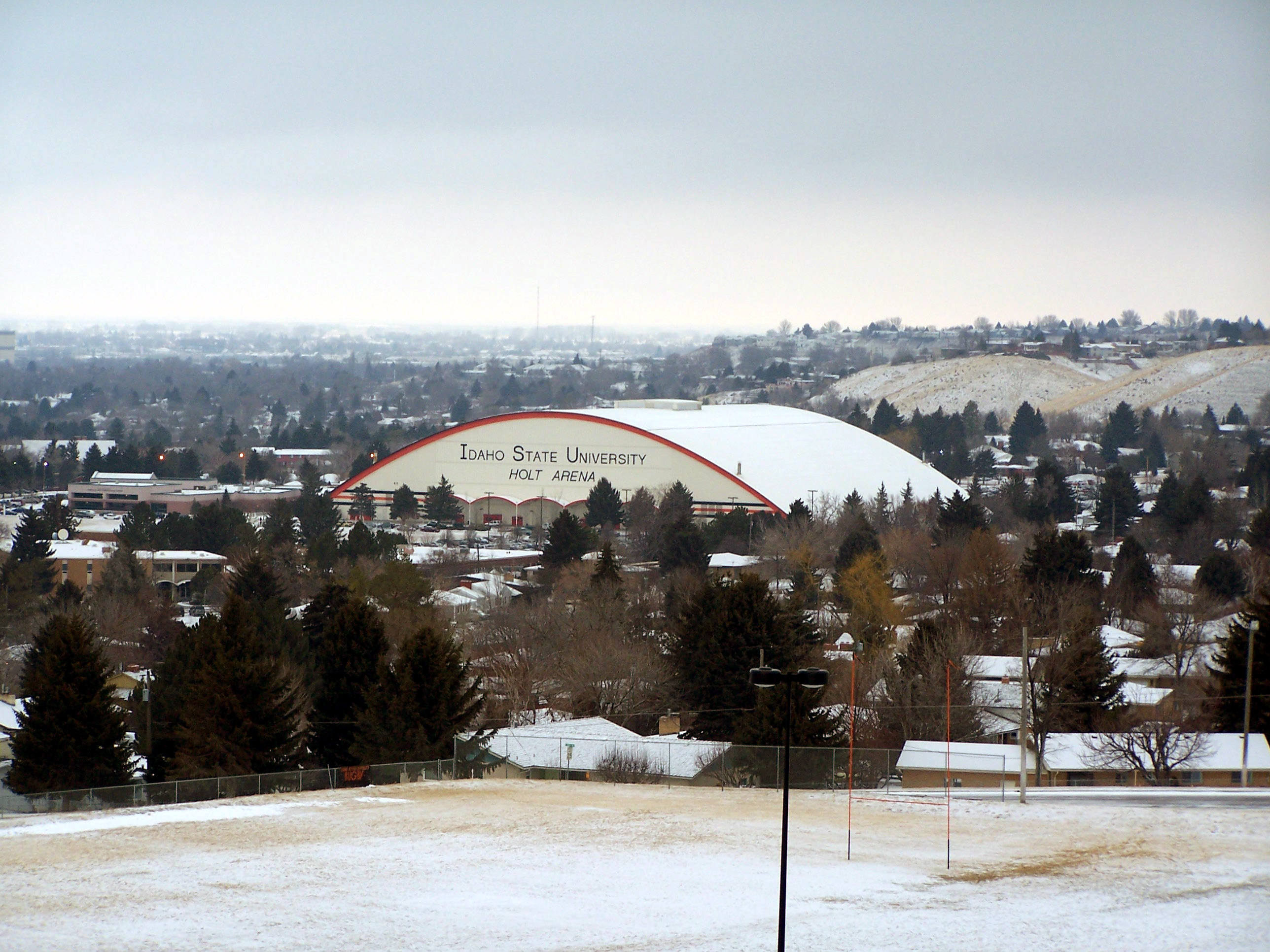 File:Holt Arena From The Roof Of The Performing Arts Center   Panoramio