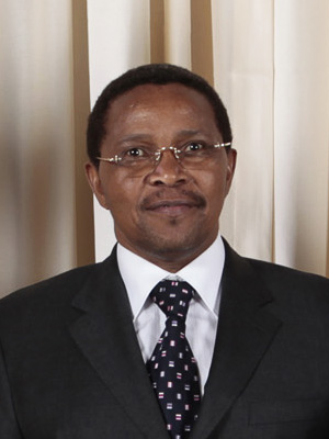 File:Jakaya Kikwete with Obamas cropped.jpg - Wikipedia, the free ...