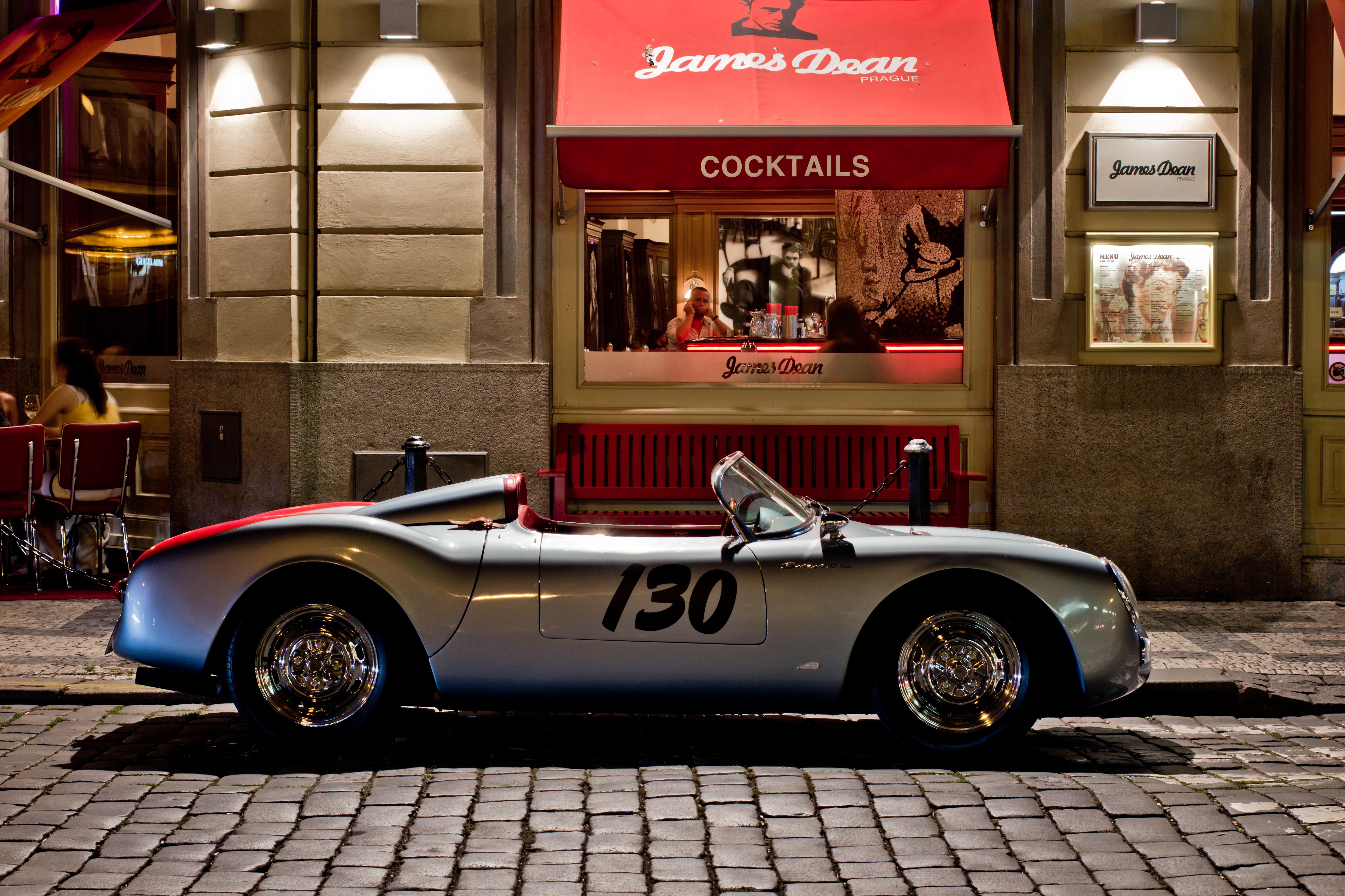 Porsche Similar to James Dean's