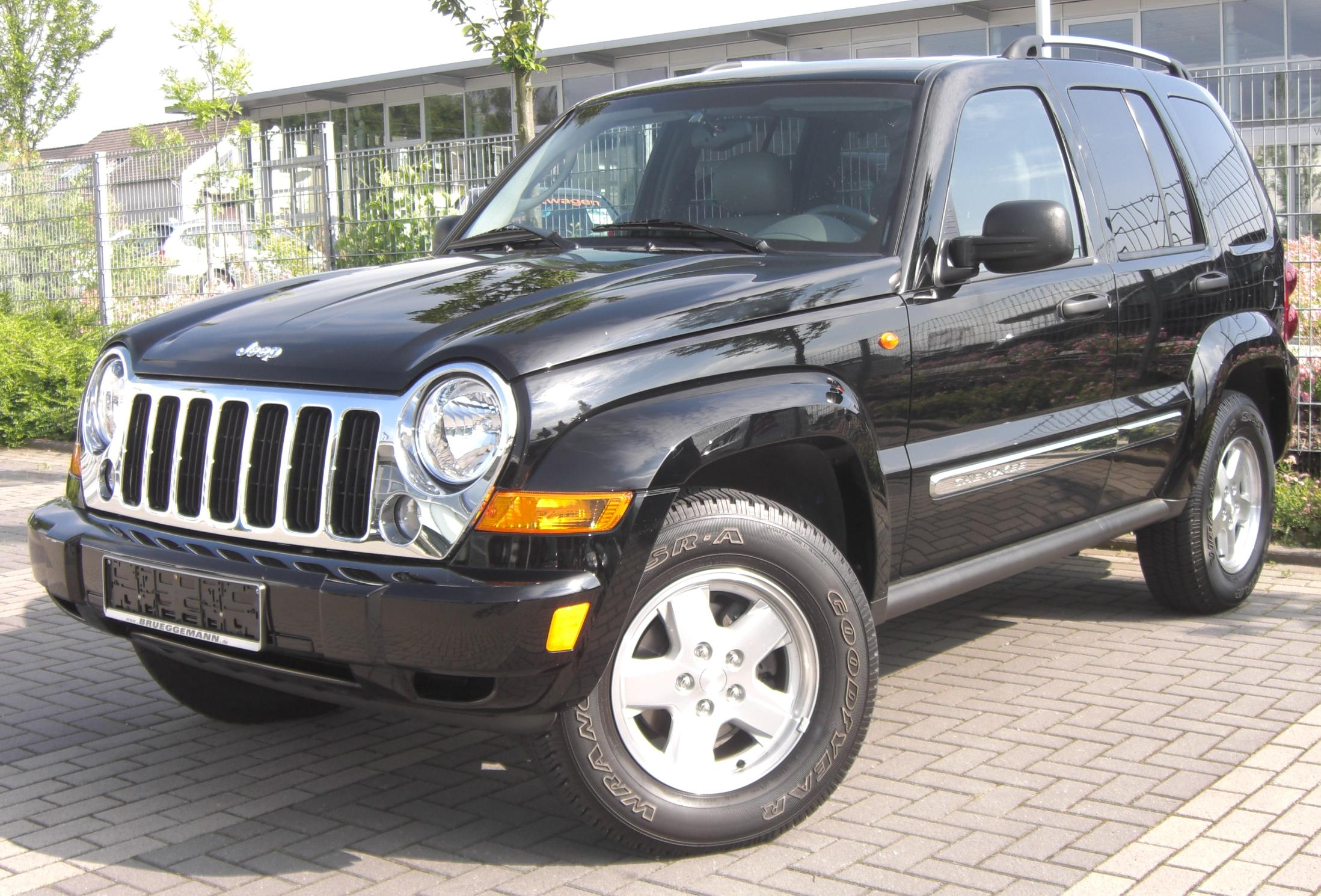 Jeep Liberty Lifted >> File:Jeep Cherokee front (2008).jpg - Wikimedia Commons