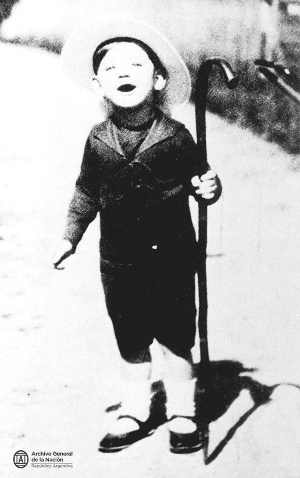 Julio Cortázar a los dos años de edad (Suiza; 1916).