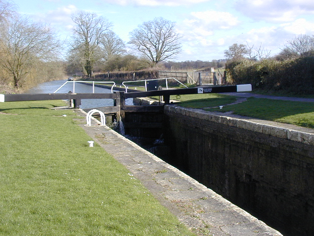 Kennet and Avon Canal at Wootton Rivers - geograph.org.uk - 432704