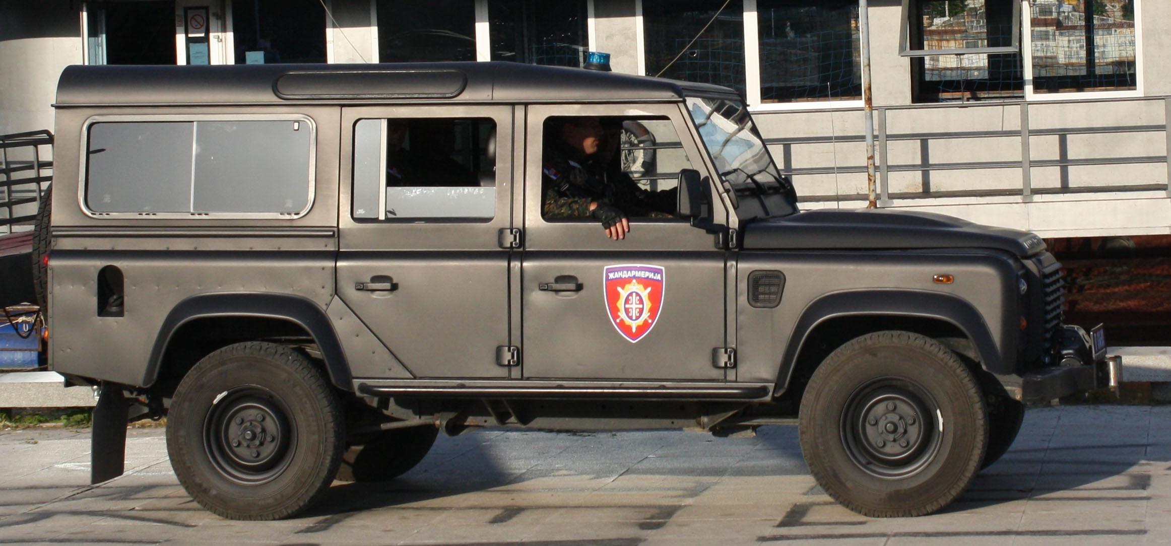 File Land Rover Defender Žandarmerije 3 Jpg Wikimedia