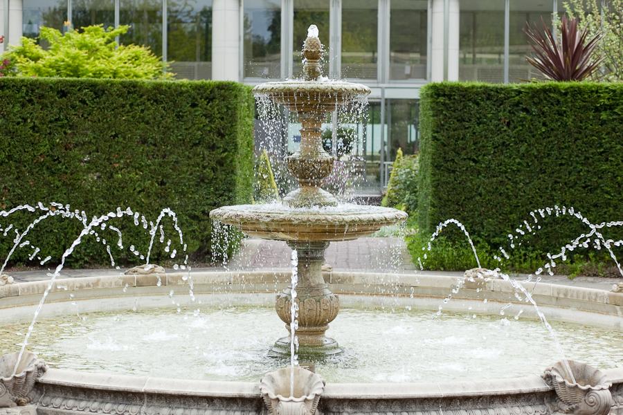 Charmant File:Matsue English Garden Fountain