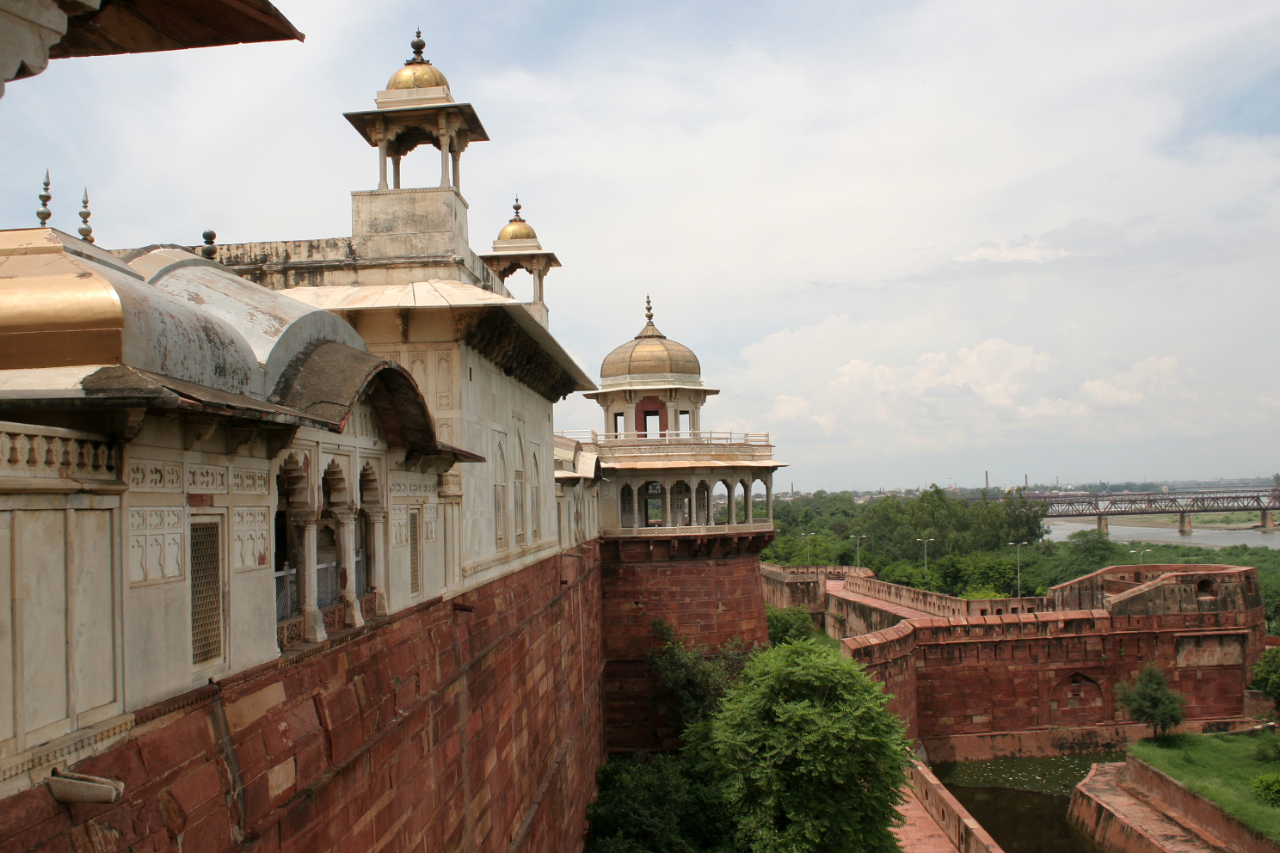 15 Wonderful Tourist Places To Visit In Agra Styles At Life