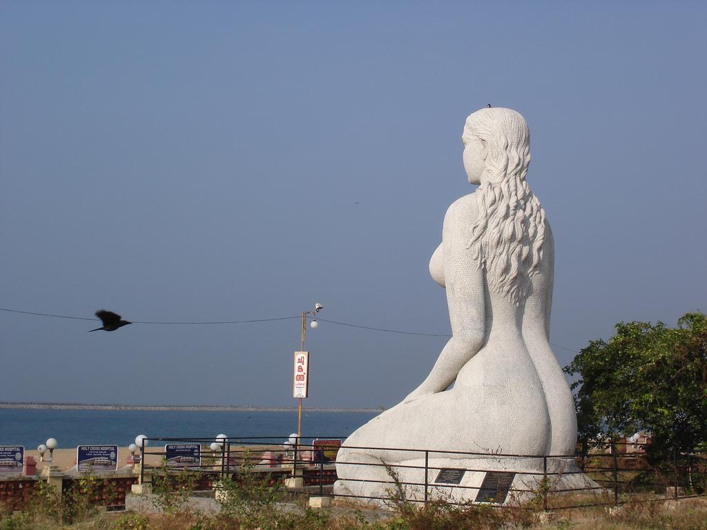 File:Nude Mermaid.jpg