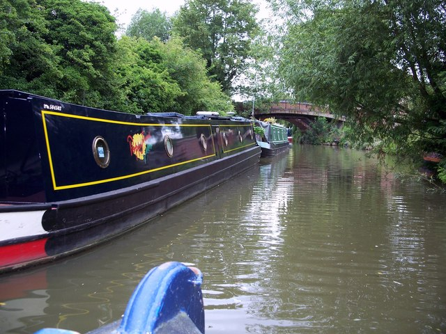 File:Oxford Canal - geograph.org.uk - 498946.jpg