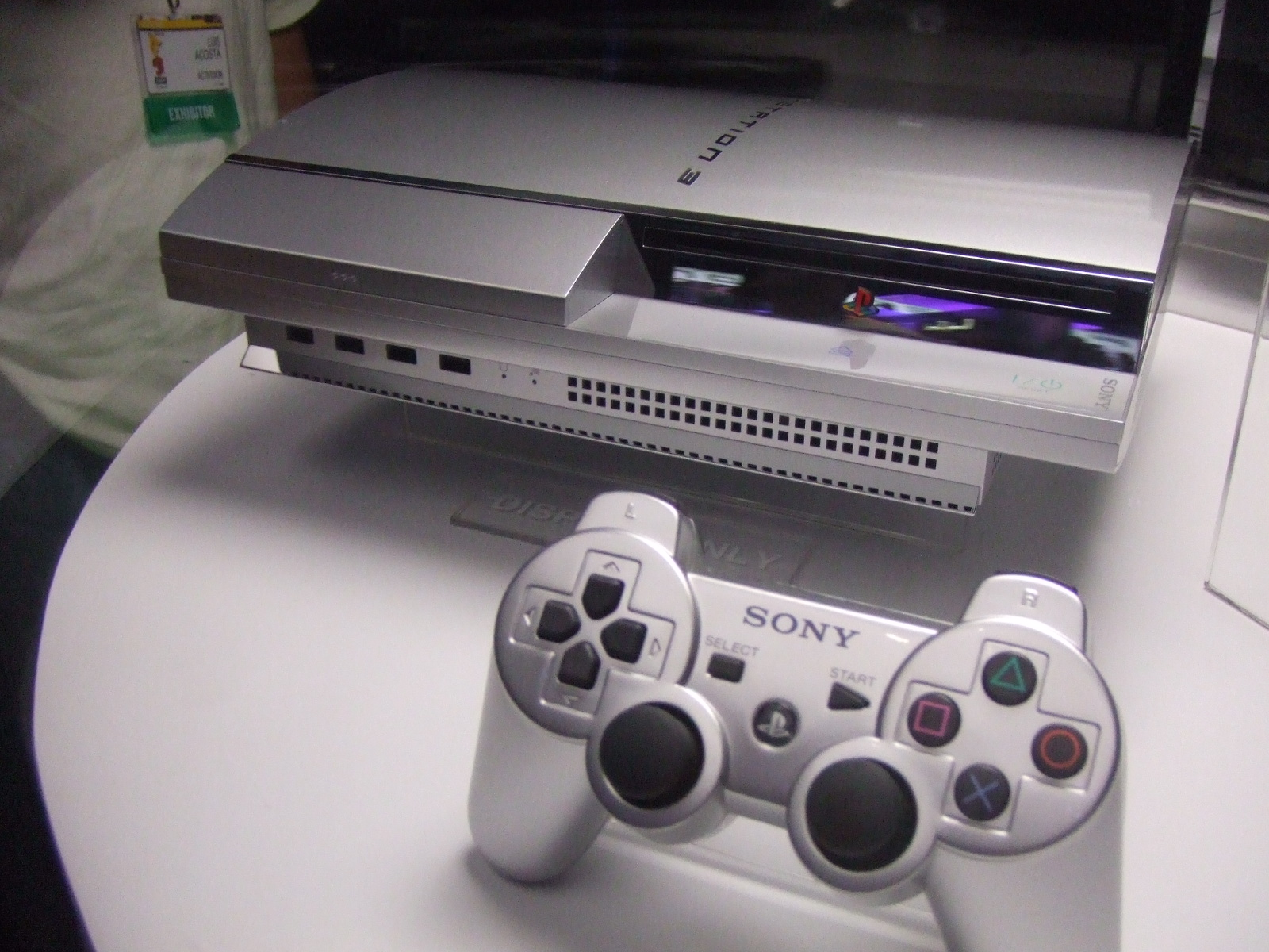 File:PS3 and controller at E3 2006 jpg - Wikimedia Commons