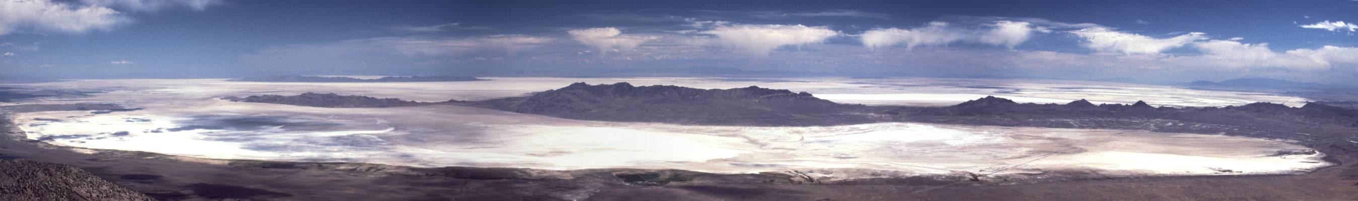 panorama bildo de la dezerto, fotita sur la monto Pilot Peak