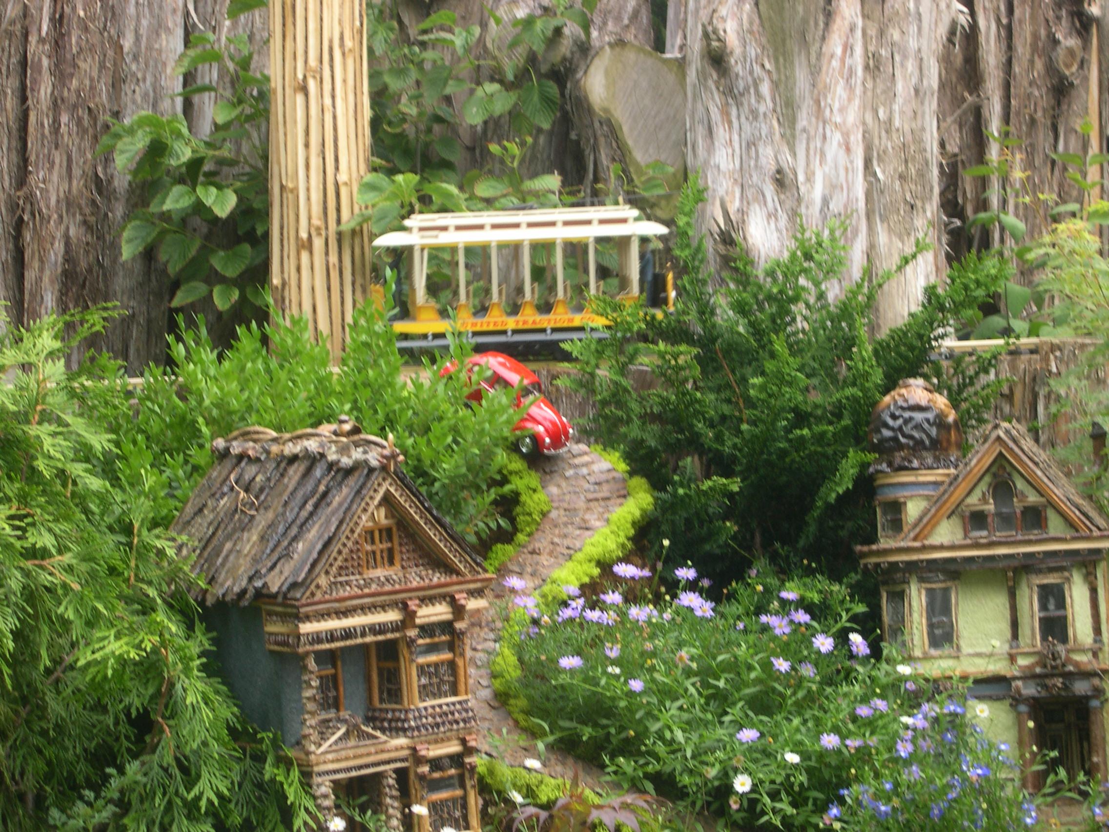 File San Francisco Train Model At The Botanic Garden