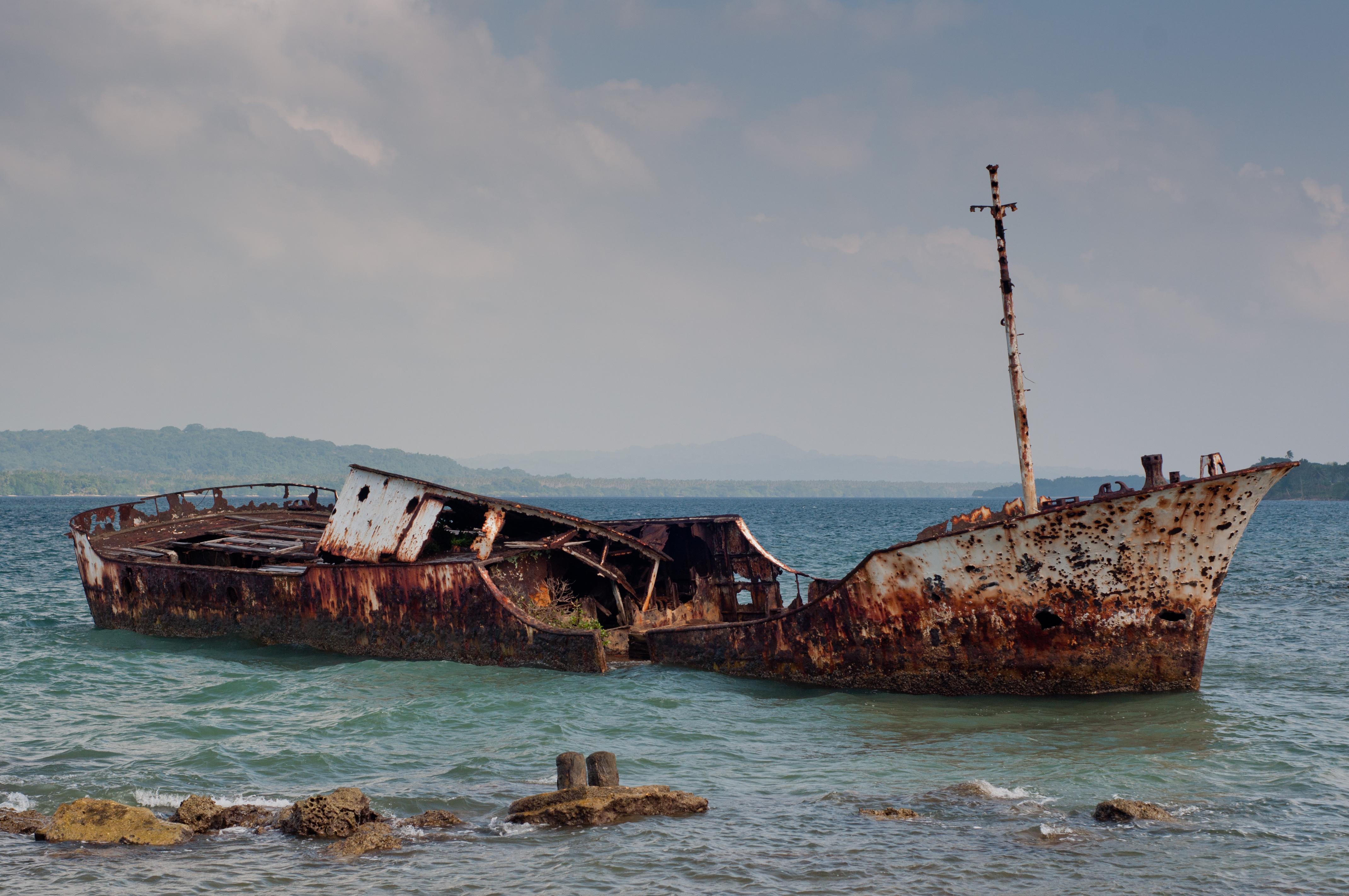 File:Santo-island-living-3.jpg - Wikimedia Commons