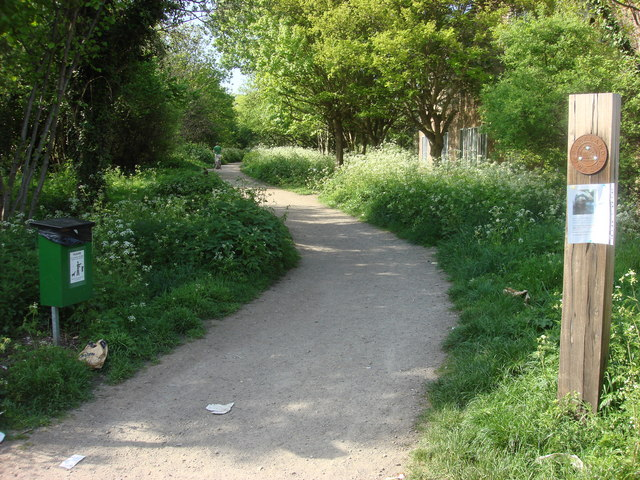 Start of Parkland Walk - geograph.org.uk - 1290085
