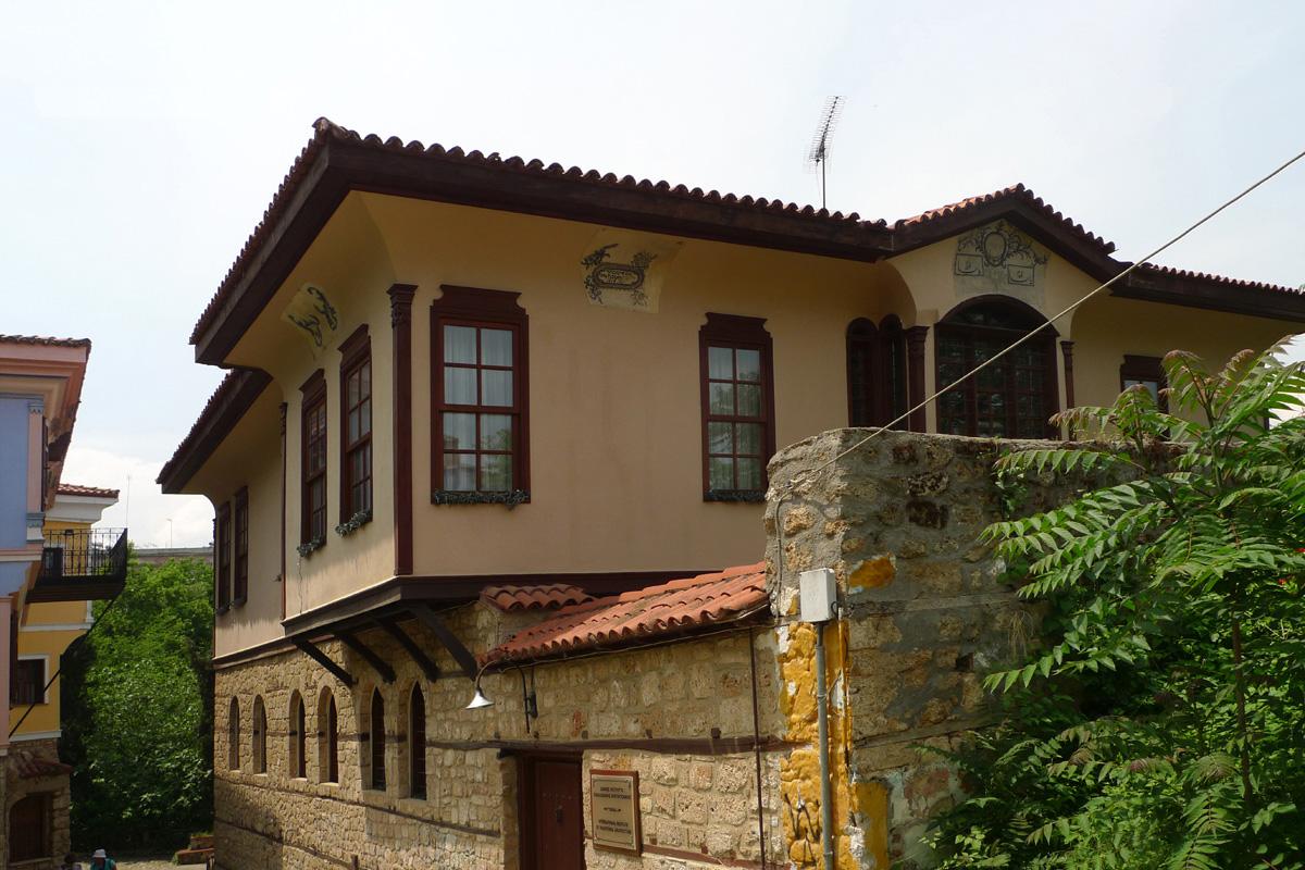 Bekas house wikidata for Kosher house