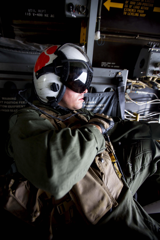 File:U S , Thai Marines train on Osprey 140212-M-MP631-053