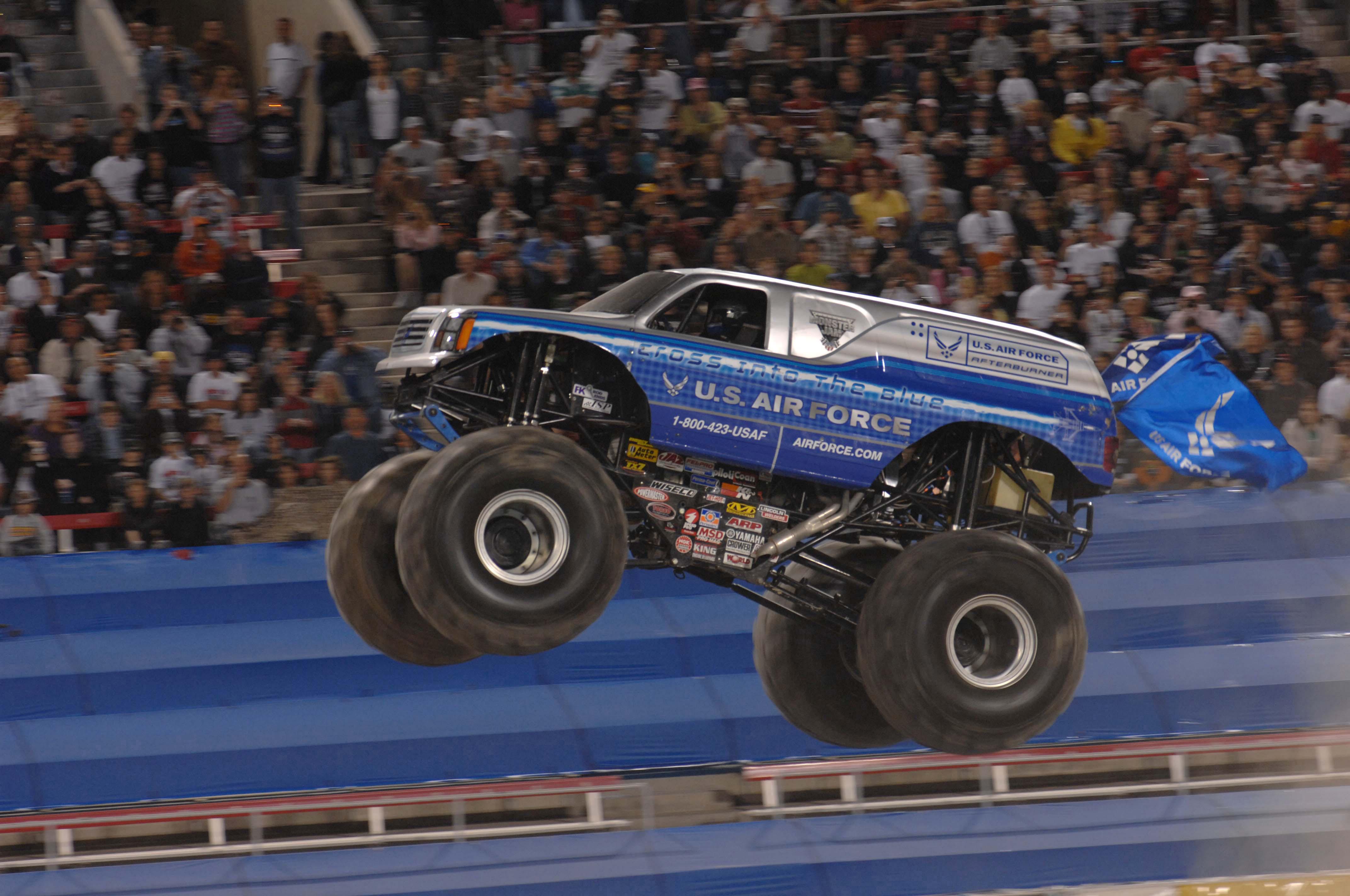Monster Truck Wikiwand - Monster car show