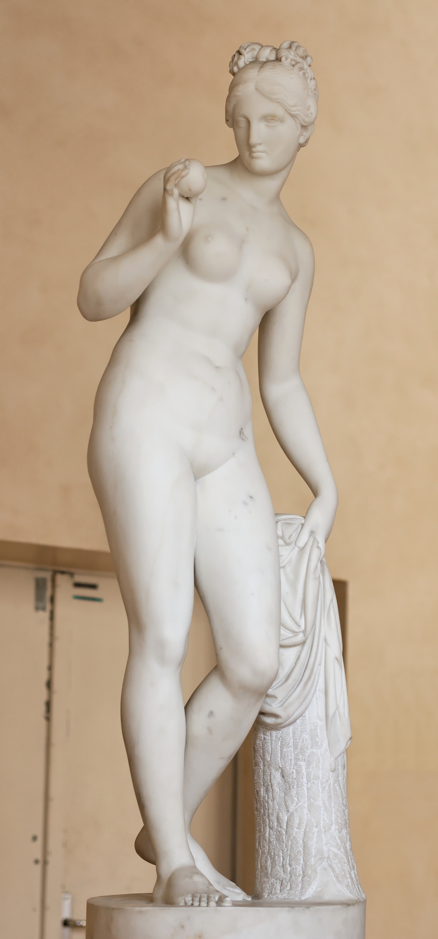 http://upload.wikimedia.org/wikipedia/commons/6/61/Venus_apple_Thorvaldsen_RF_3334.jpg