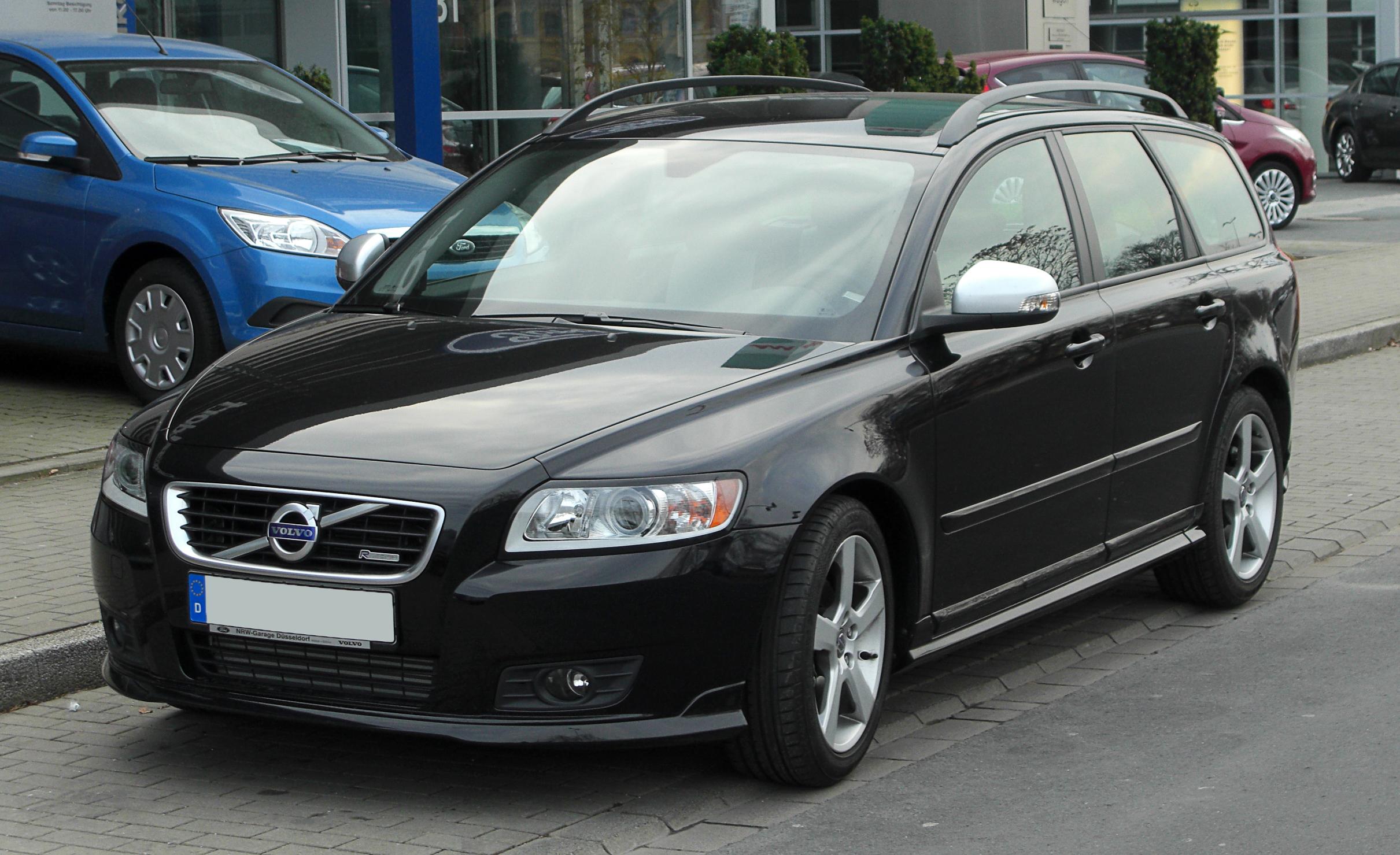 Bestand Volvo V50 R Design Facelift Frontansicht 12
