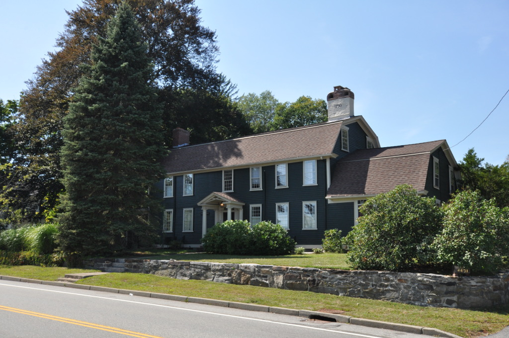 Post Road In Warwick Rhode Island